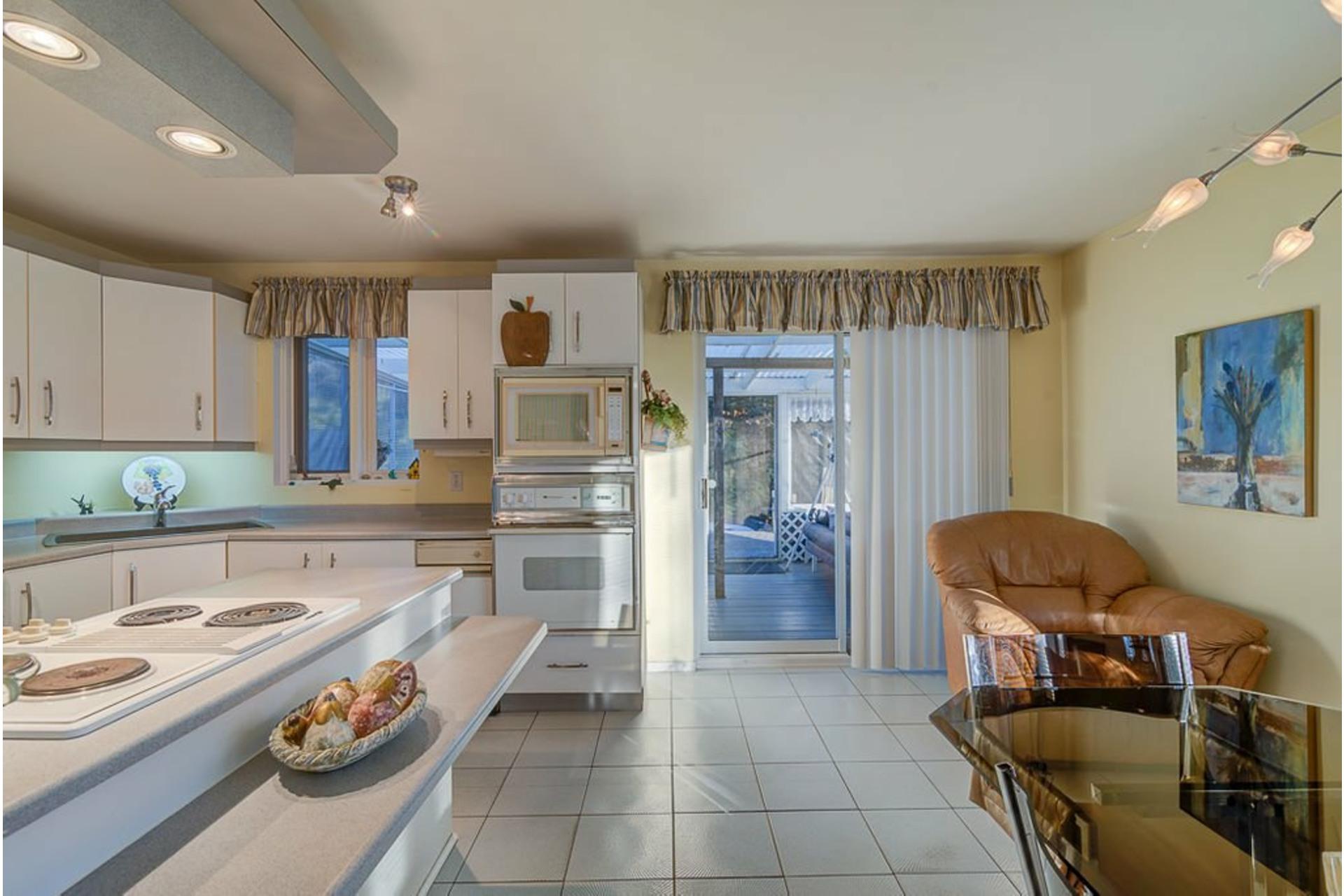 image 12 - House For sale Sainte-Anne-des-Plaines - 12 rooms