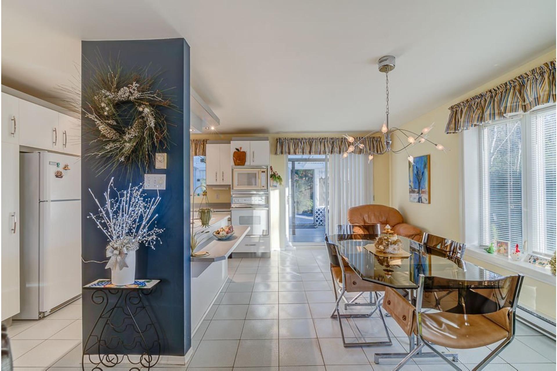 image 6 - House For sale Sainte-Anne-des-Plaines - 12 rooms