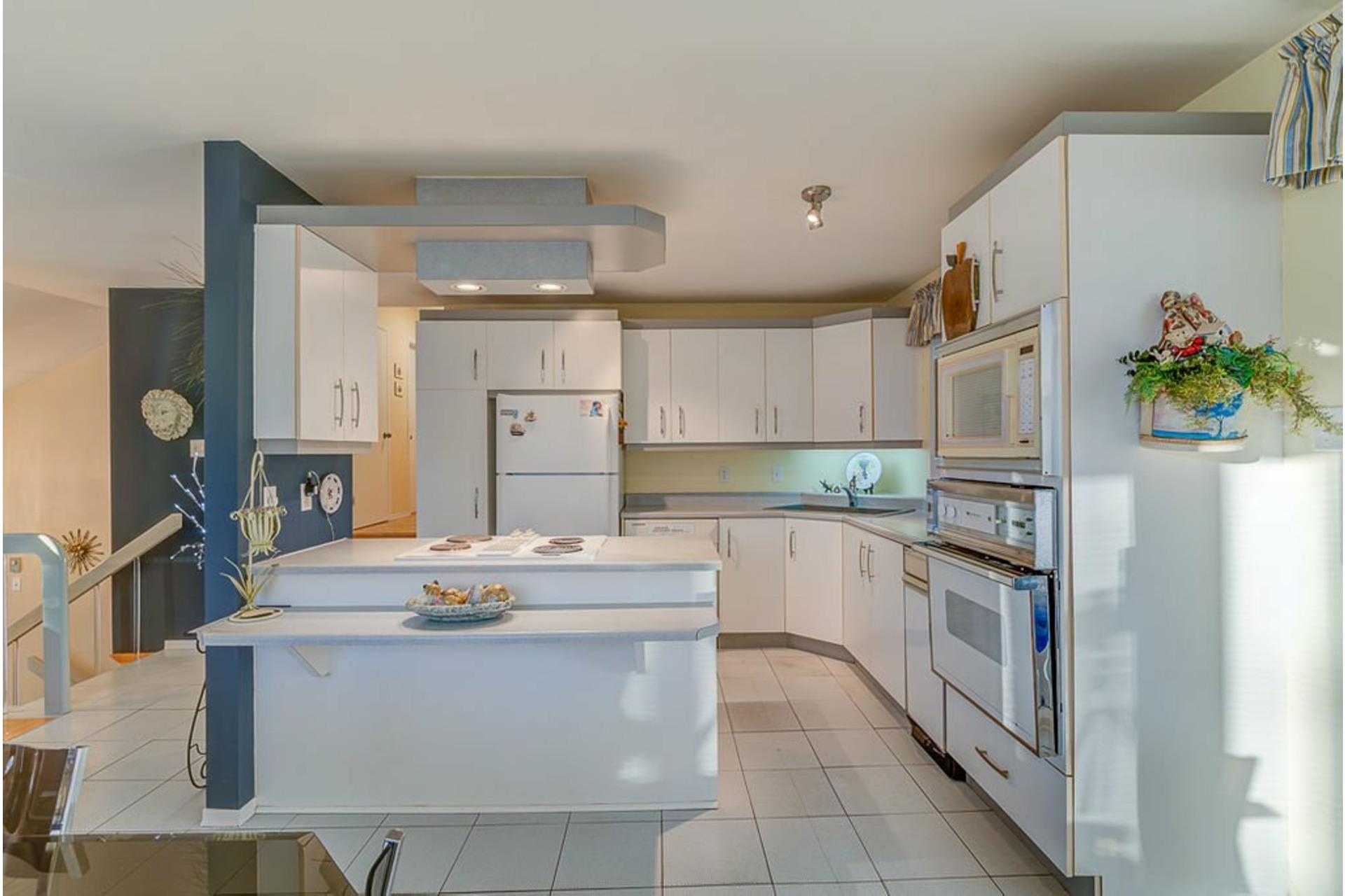 image 9 - House For sale Sainte-Anne-des-Plaines - 12 rooms