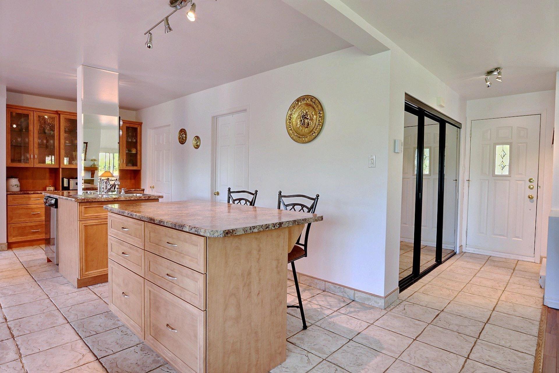 image 6 - House For sale Saint-Alphonse-Rodriguez - 7 rooms