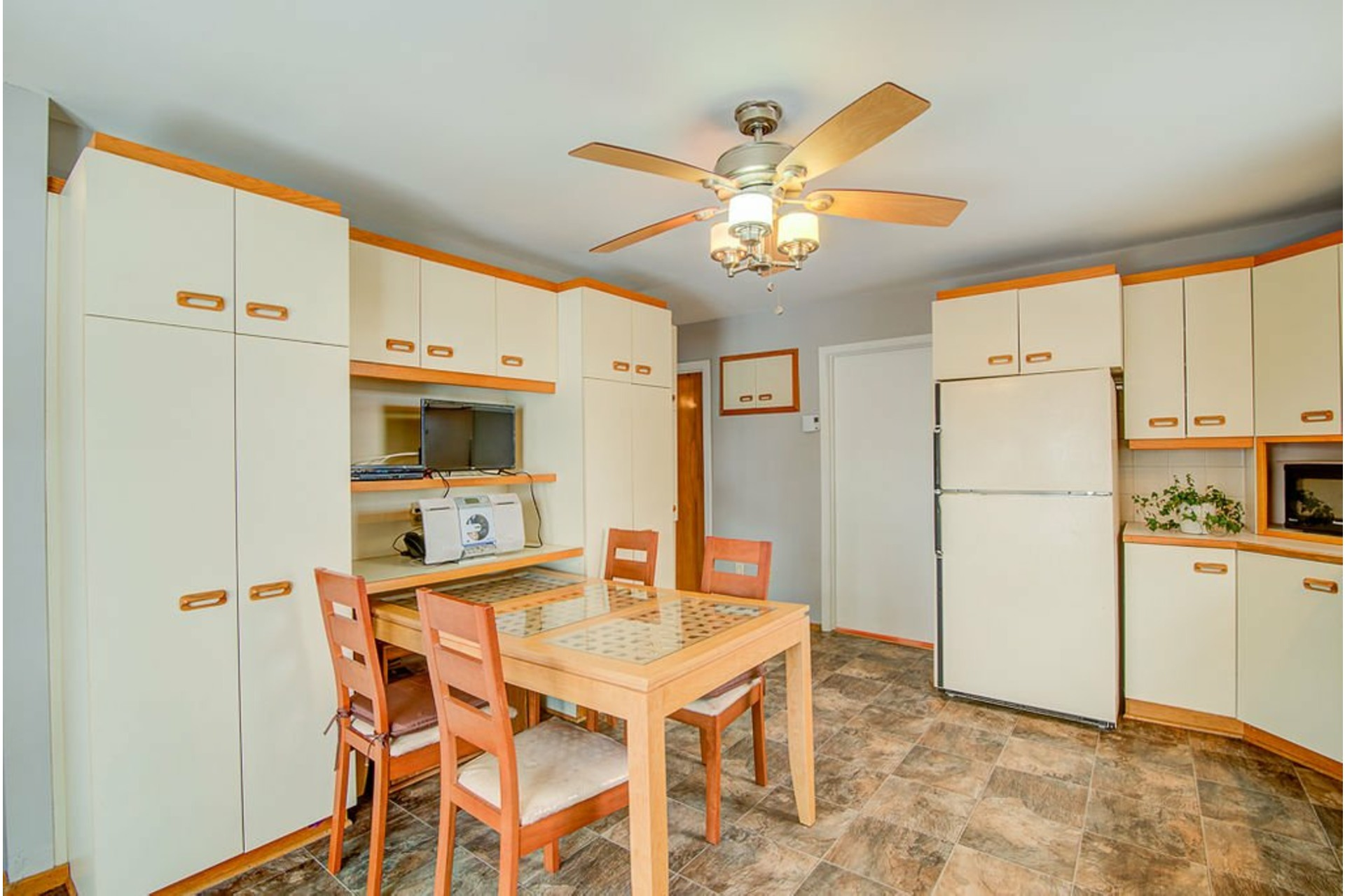 image 10 - House For sale Sainte-Anne-des-Plaines - 10 rooms