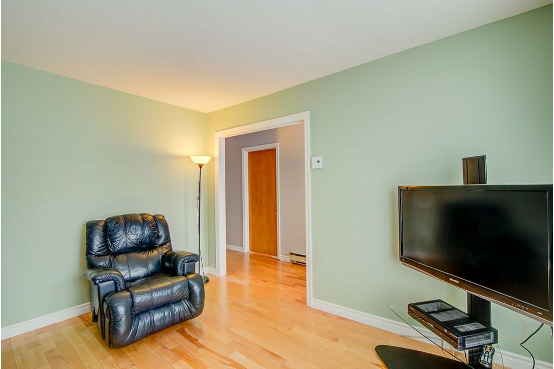 image 5 - House For sale Sainte-Anne-des-Plaines - 10 rooms