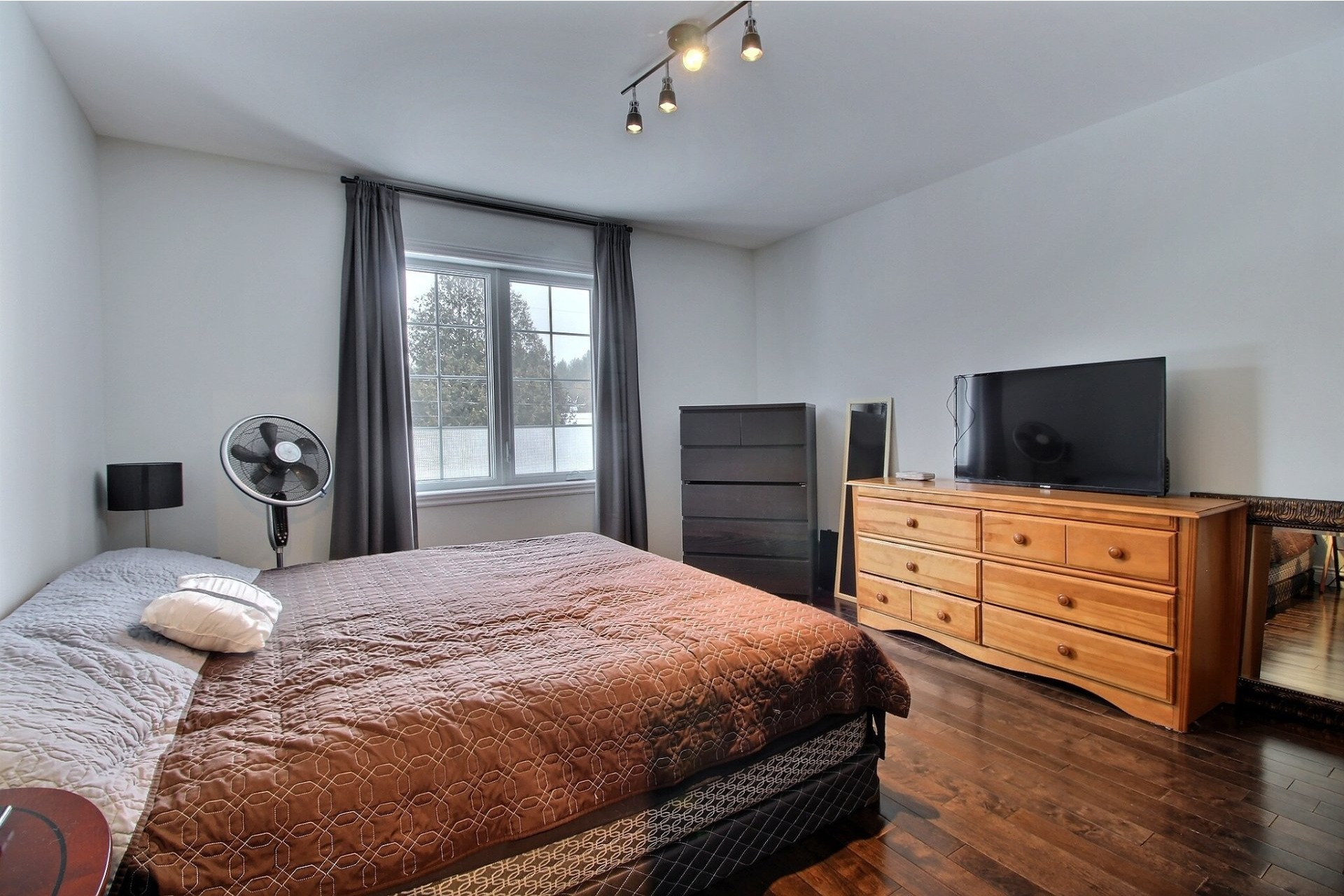 image 18 - House For sale Notre-Dame-des-Prairies - 13 rooms