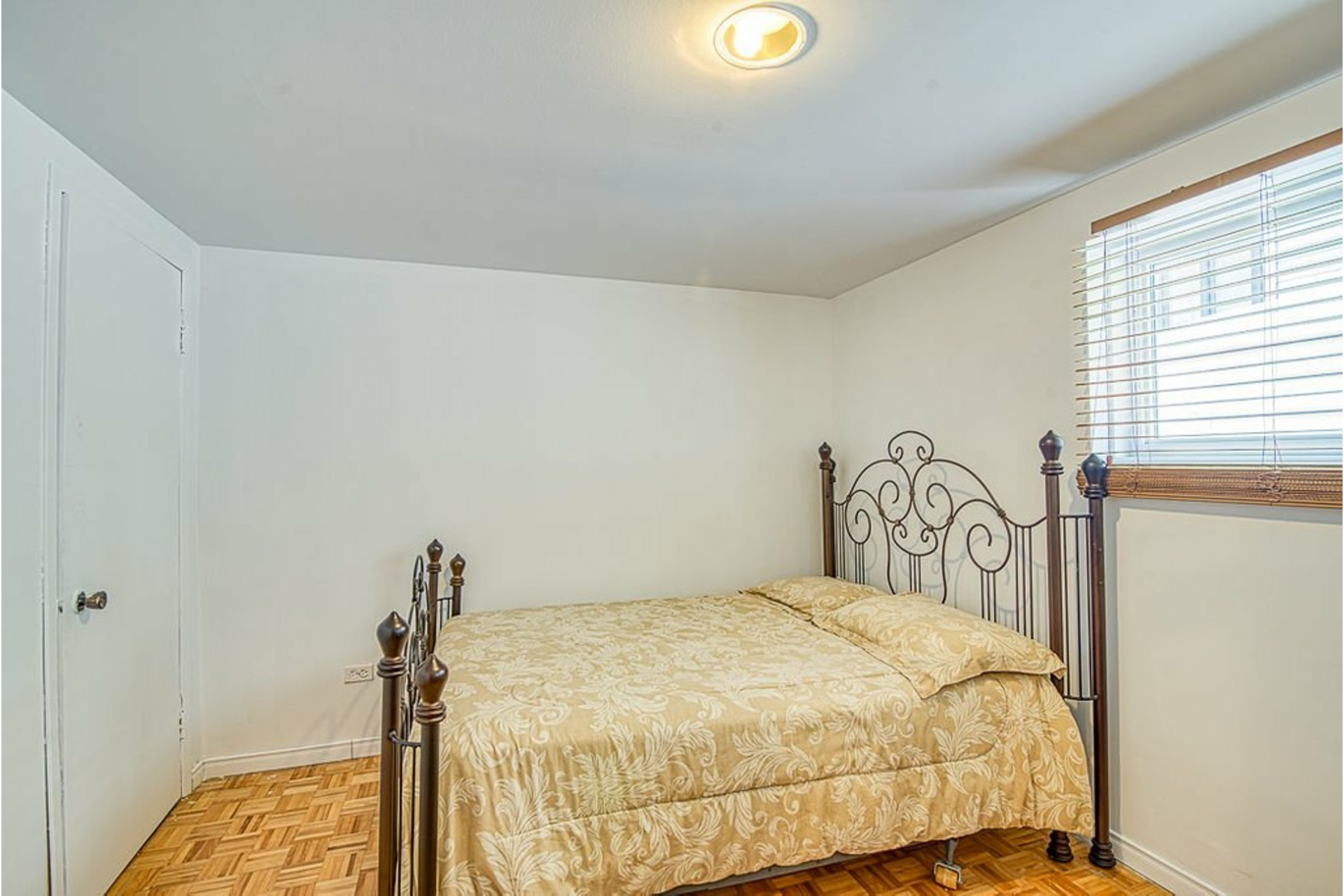 image 28 - House For sale Fabreville Laval  - 10 rooms