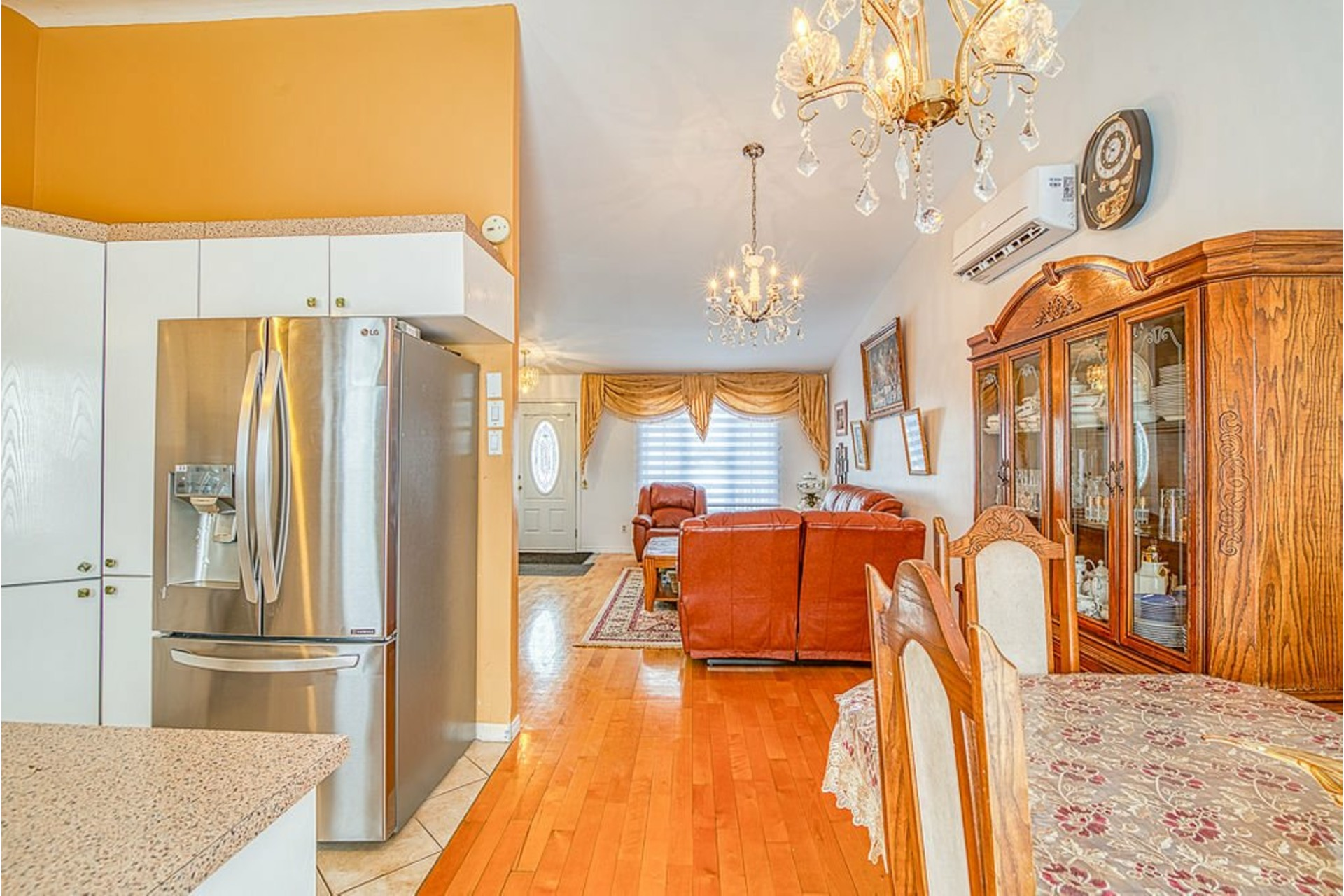 image 9 - House For sale Fabreville Laval  - 10 rooms