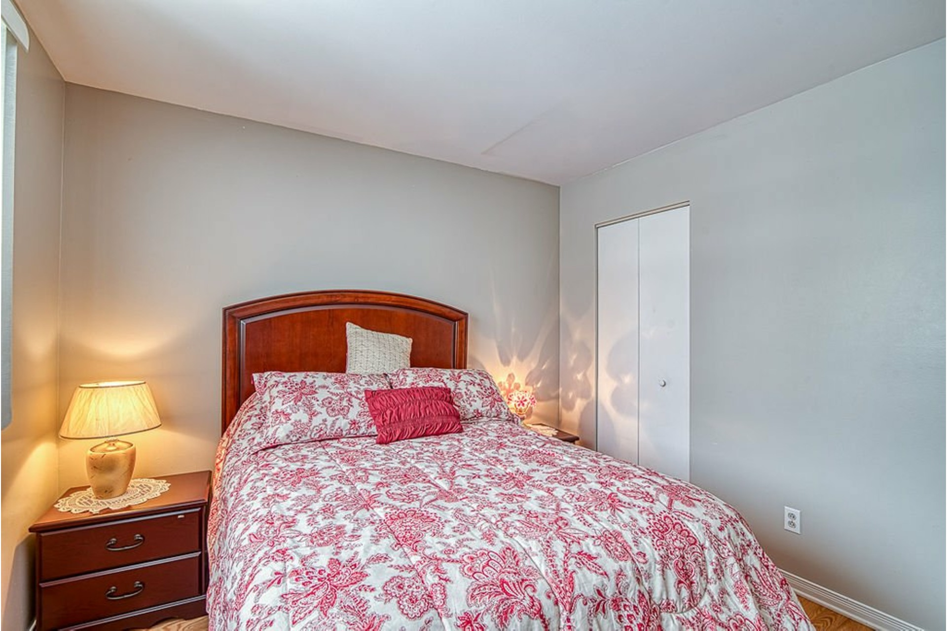 image 17 - House For sale Fabreville Laval  - 10 rooms