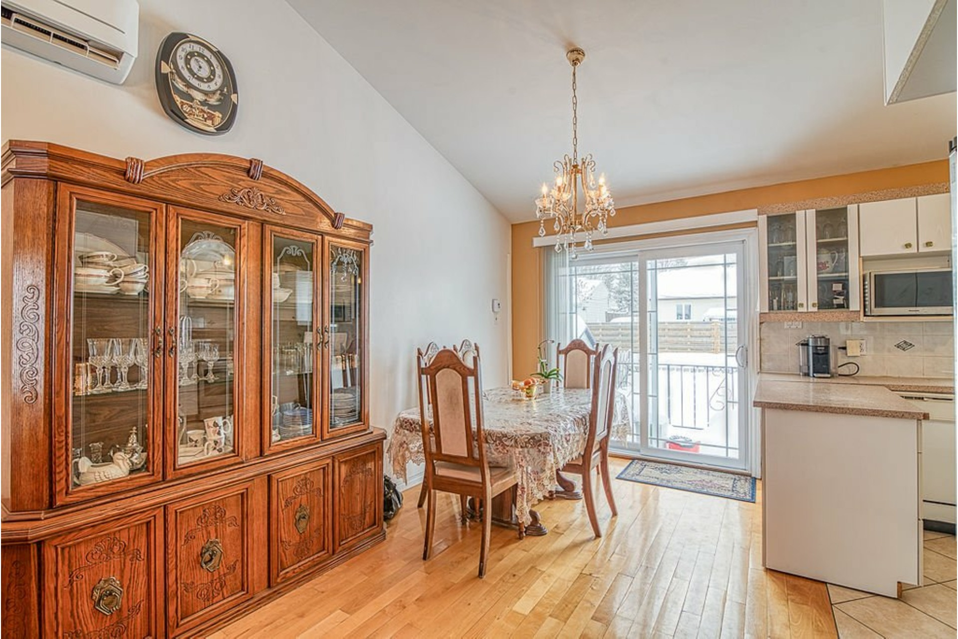 image 6 - House For sale Fabreville Laval  - 10 rooms