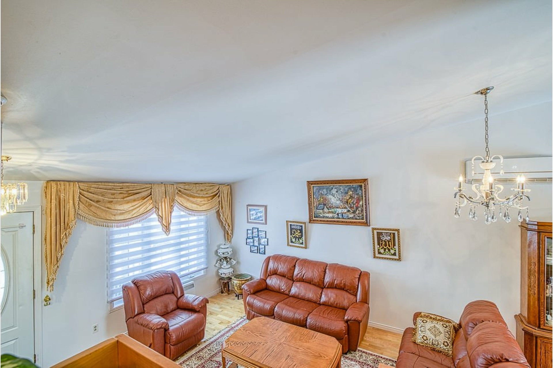 image 5 - House For sale Fabreville Laval  - 10 rooms
