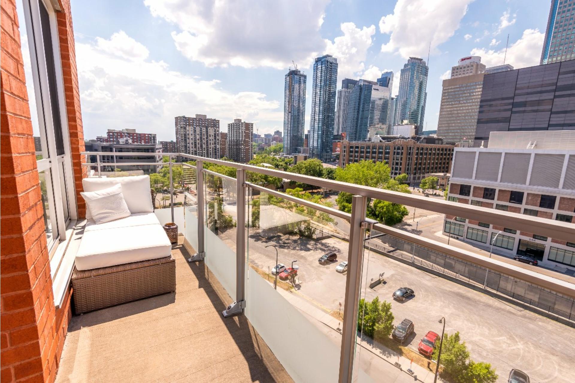 image 14 - Appartement À louer Le Sud-Ouest Montréal  - 5 pièces