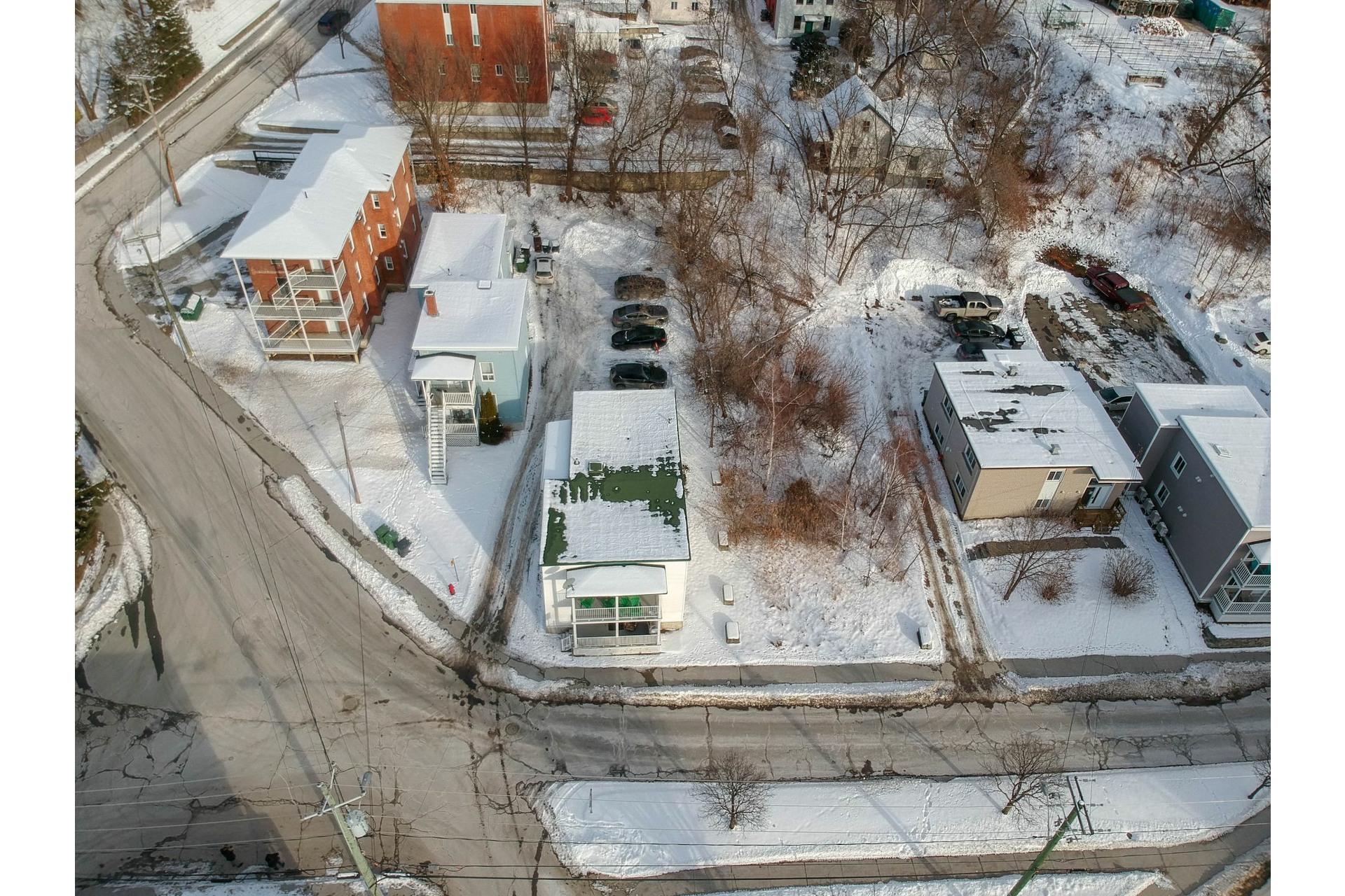 image 27 - Duplex À vendre Fleurimont Sherbrooke  - 4 pièces