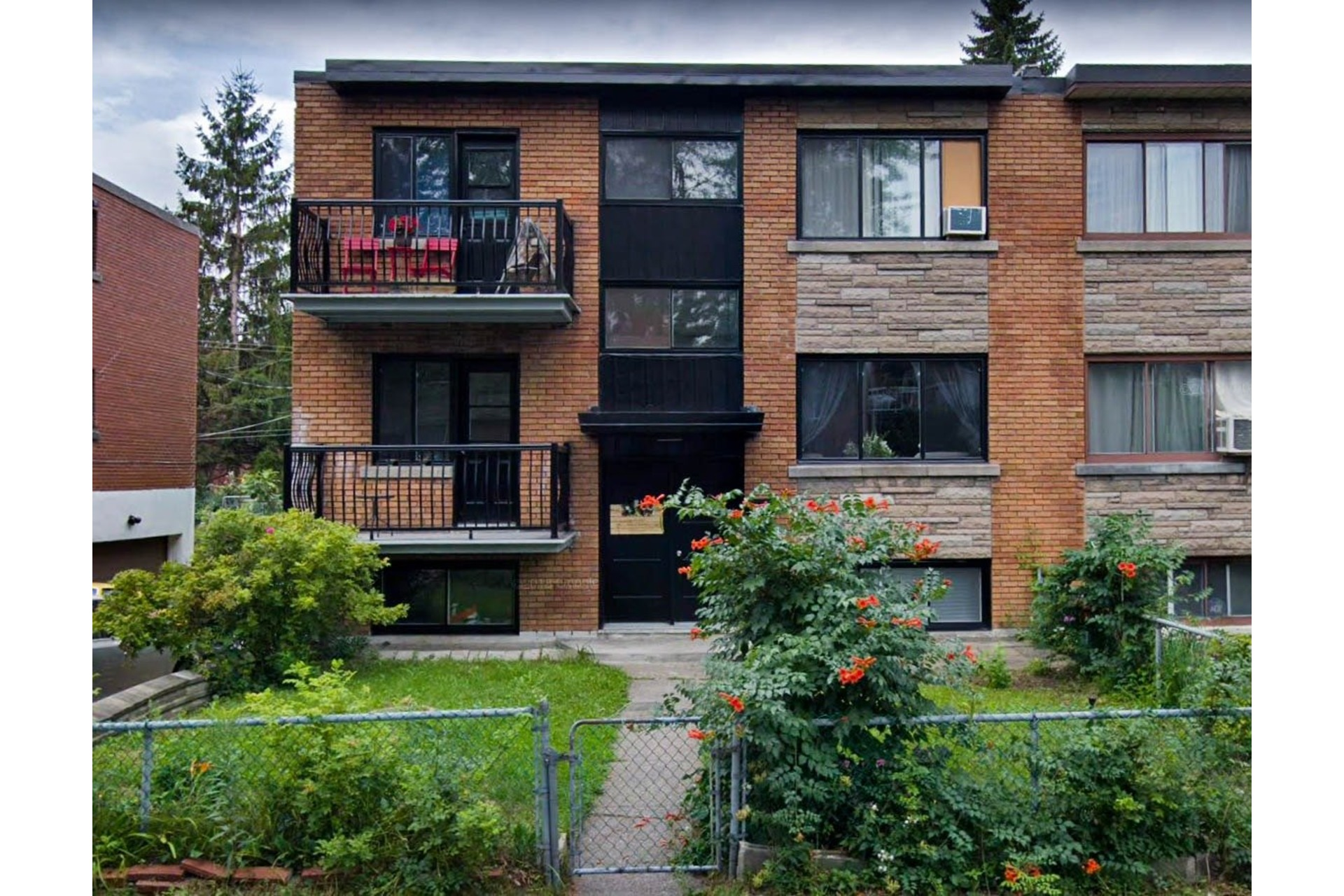 image 1 - Duplex For sale Chomedey Laval  - 6 rooms