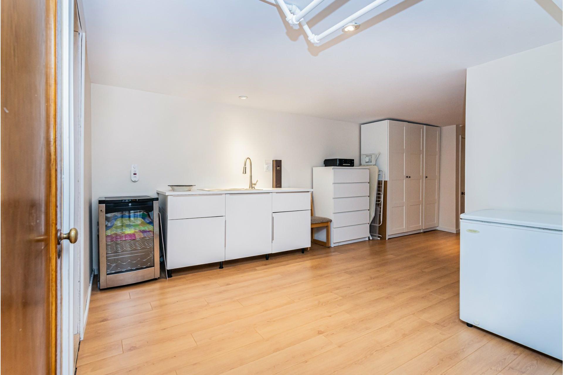 image 22 - Apartment For sale Côte-des-Neiges/Notre-Dame-de-Grâce Montréal  - 9 rooms