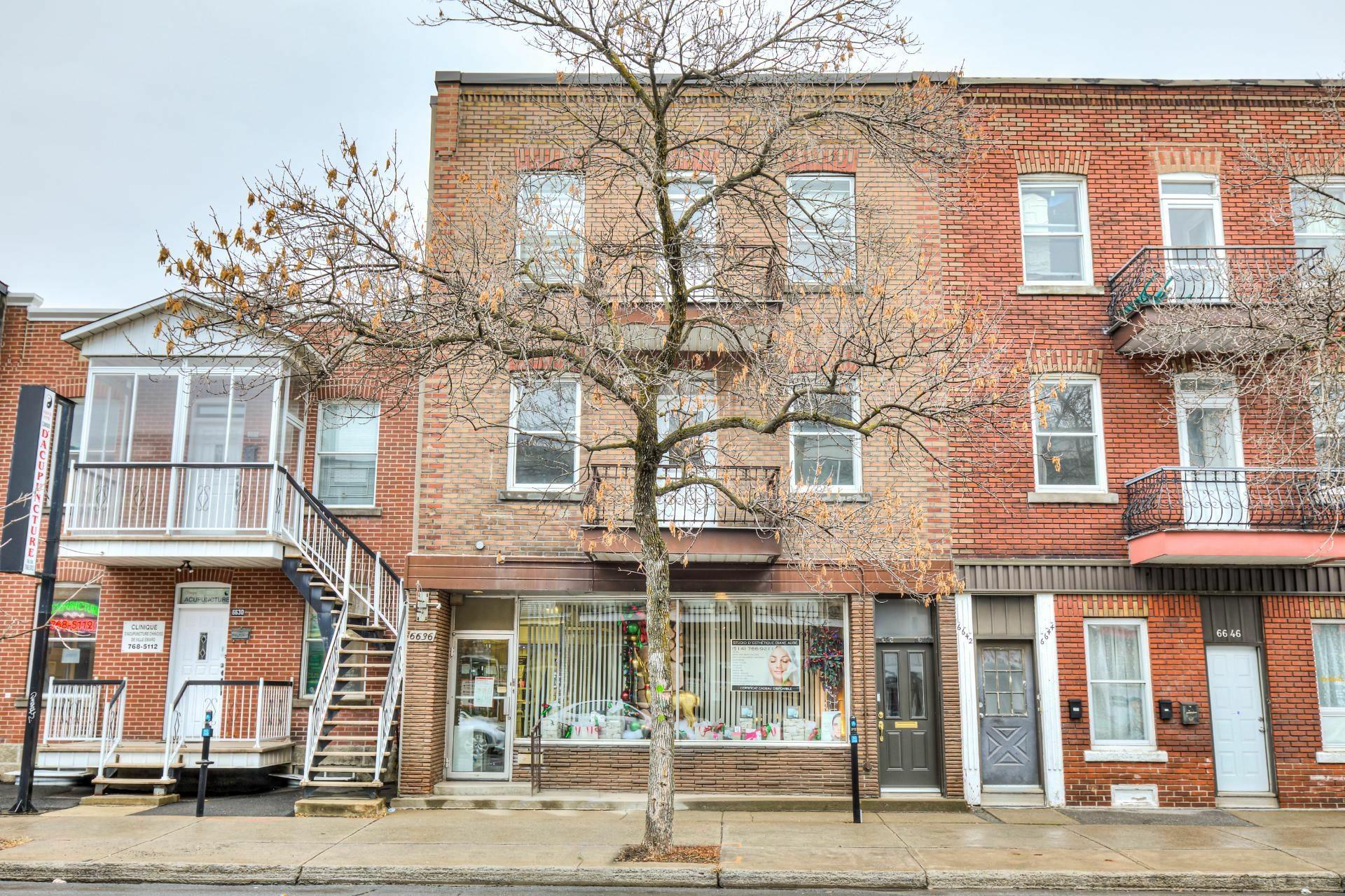 image 2 - Triplex For sale Le Sud-Ouest Montréal  - 4 rooms