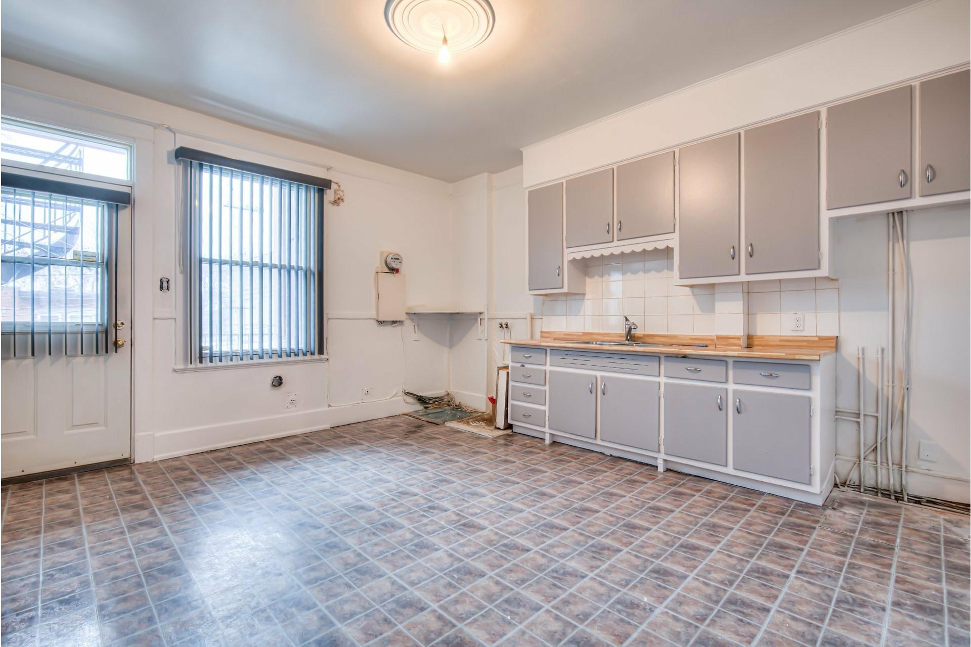 image 18 - Triplex For sale Le Sud-Ouest Montréal  - 4 rooms