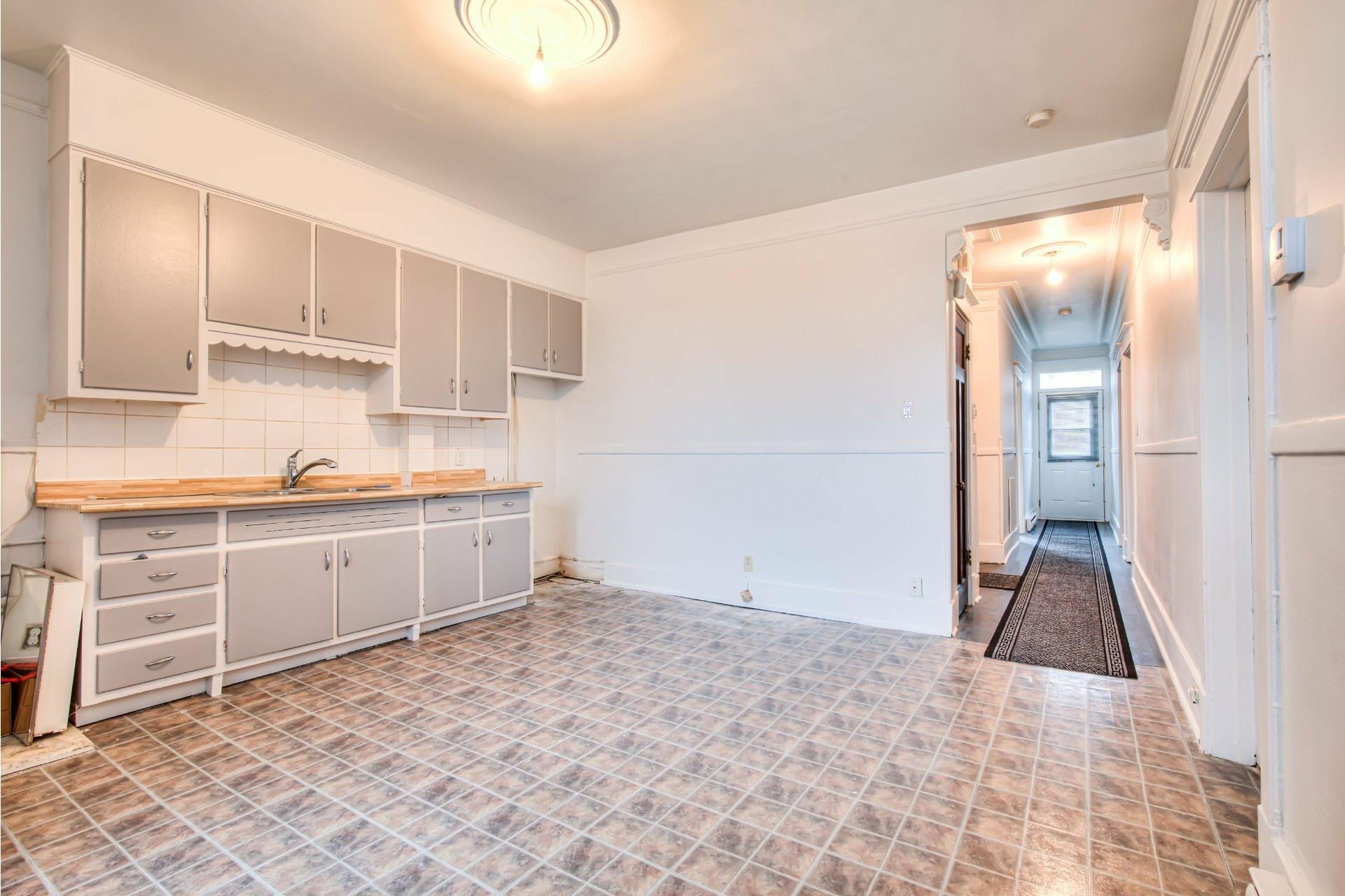 image 19 - Triplex For sale Le Sud-Ouest Montréal  - 4 rooms