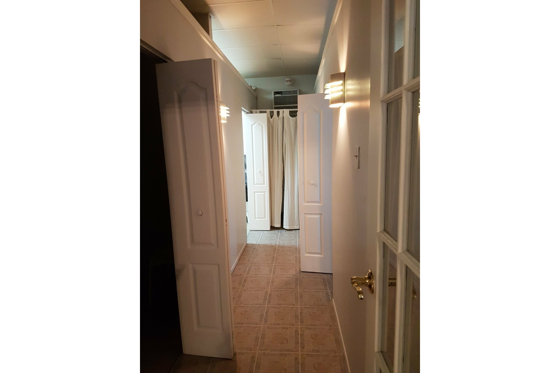 image 33 - Triplex For sale Le Sud-Ouest Montréal  - 4 rooms