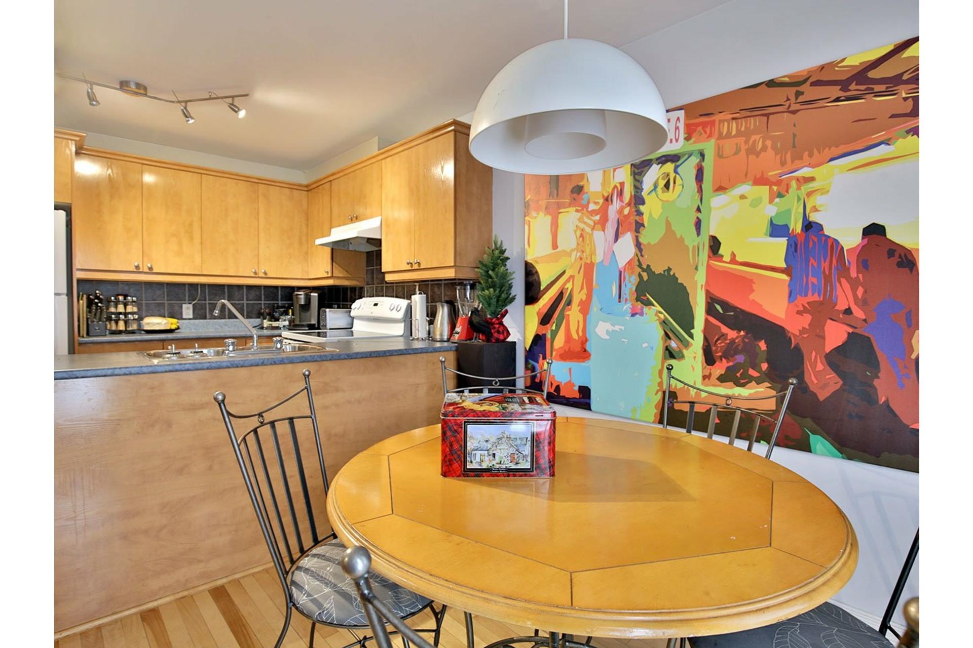 image 4 - Appartement À vendre Ville-Marie Montréal  - 7 pièces