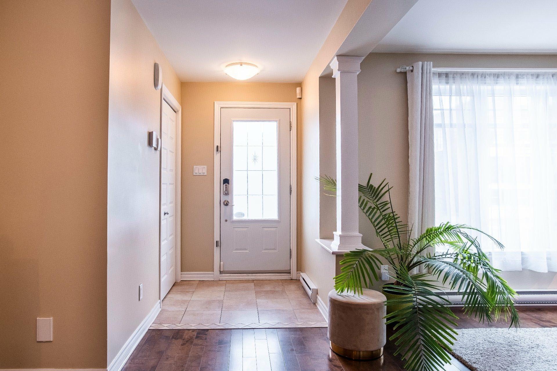 image 2 - Appartement À vendre Lachine Montréal  - 9 pièces