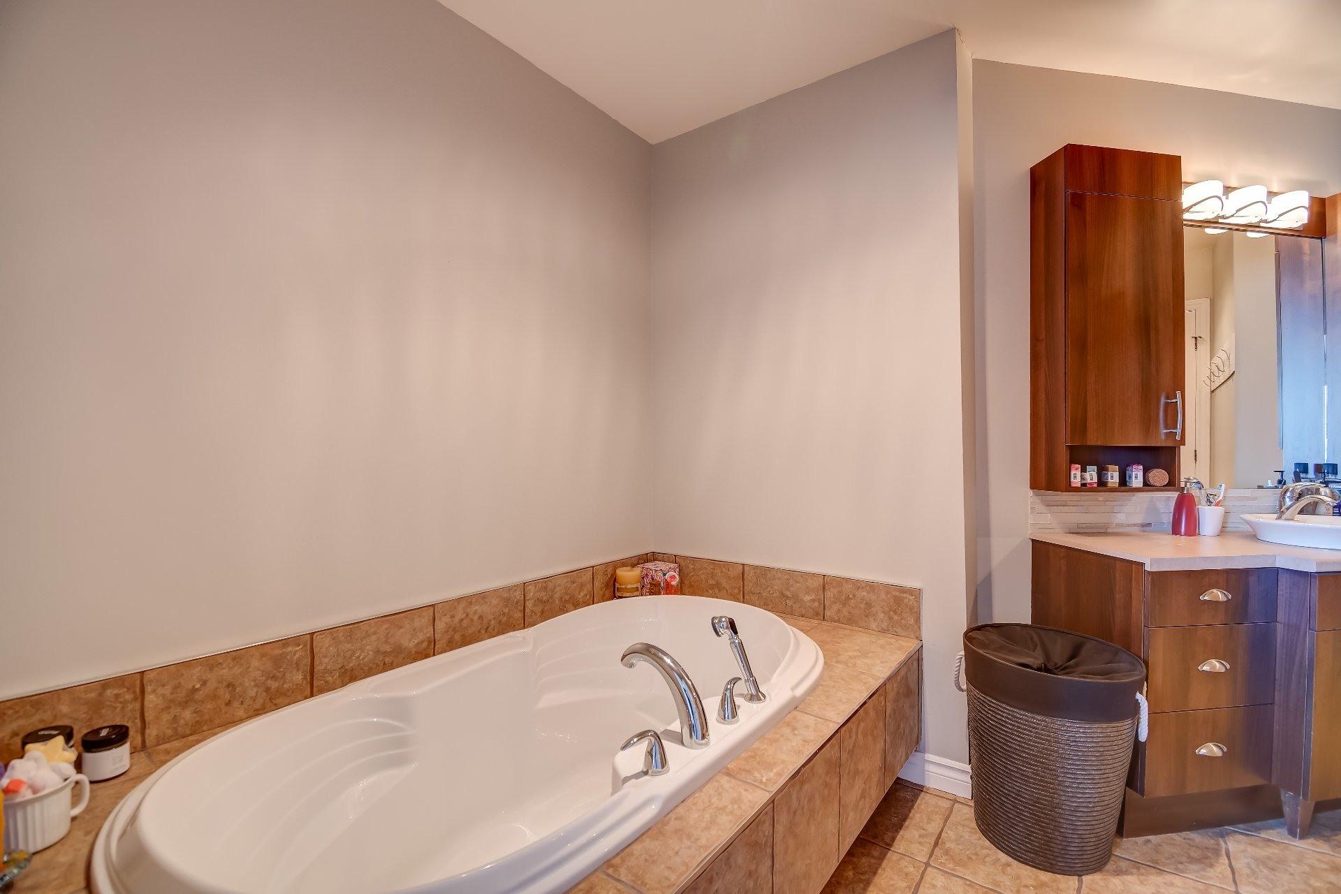 image 16 - Appartement À vendre Bécancour - 6 pièces