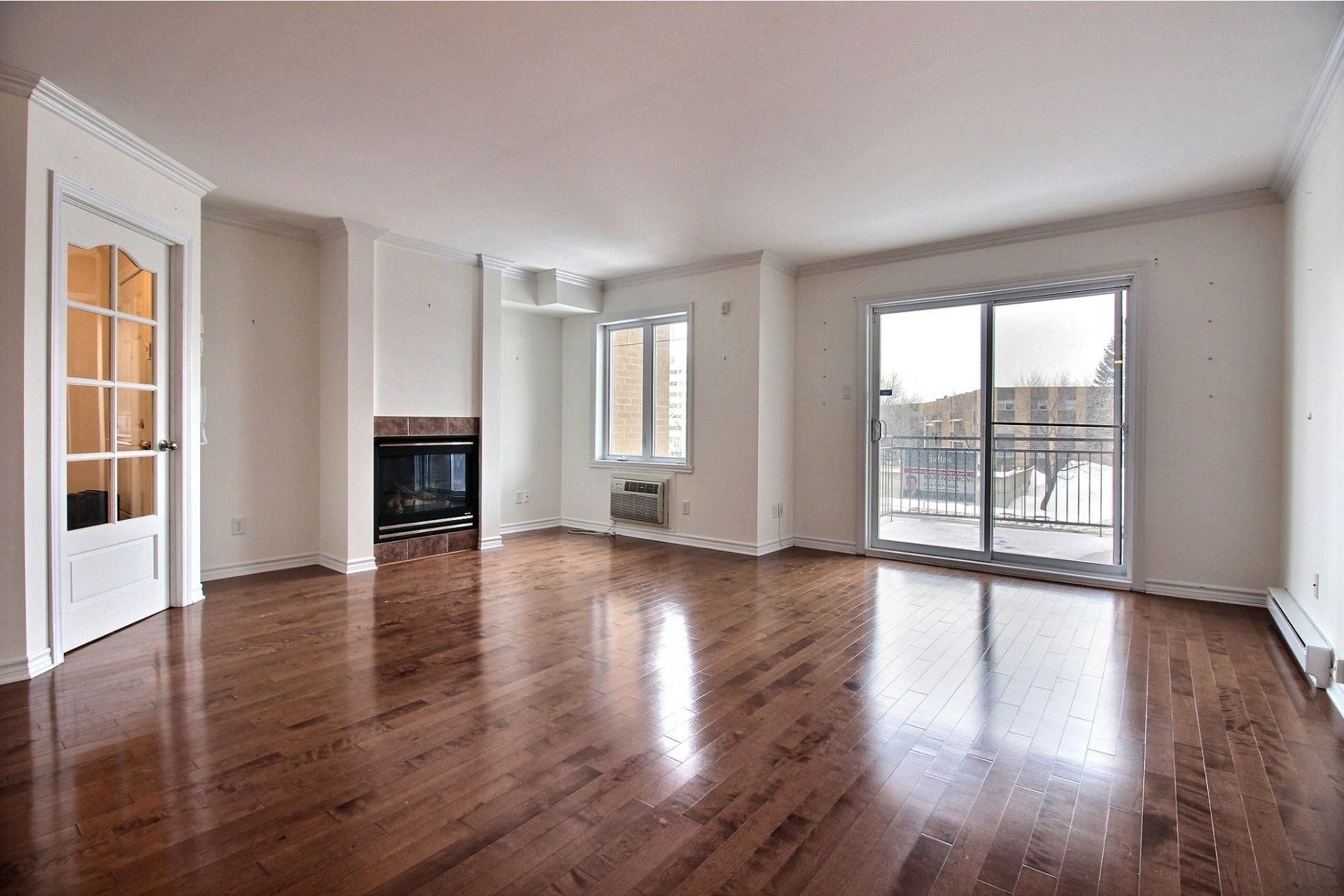 image 3 - Apartment For rent Chomedey Laval  - 9 rooms