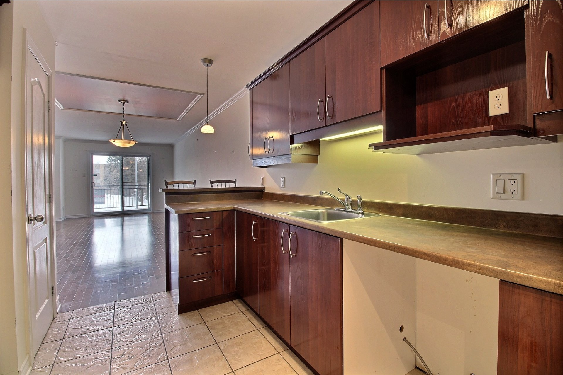 image 9 - Apartment For rent Chomedey Laval  - 9 rooms