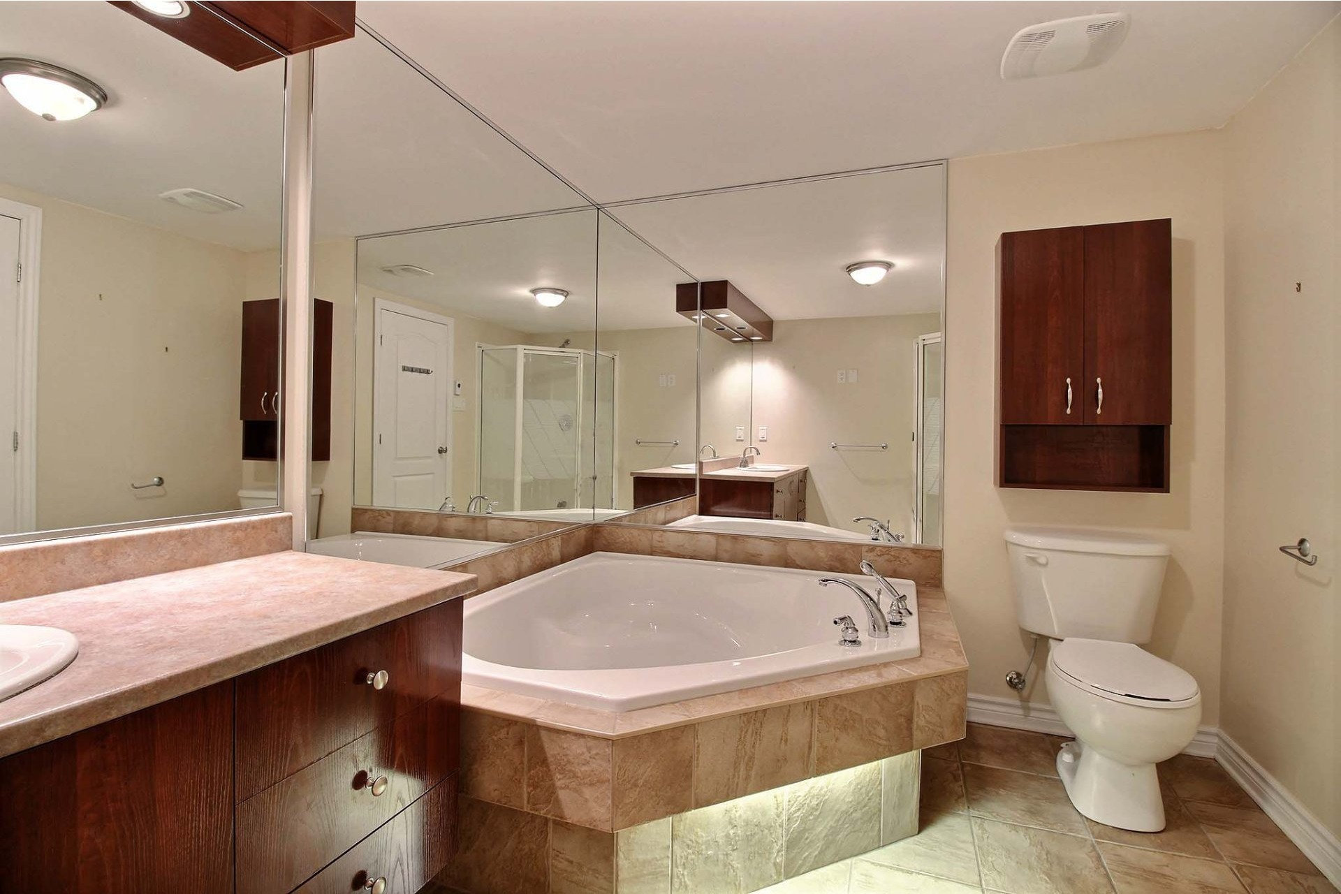 image 11 - Apartment For rent Chomedey Laval  - 9 rooms