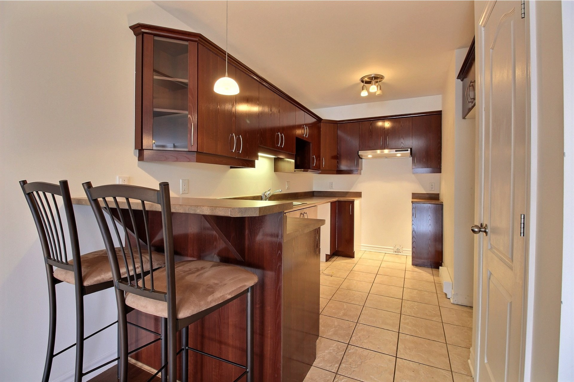 image 7 - Apartment For rent Chomedey Laval  - 9 rooms