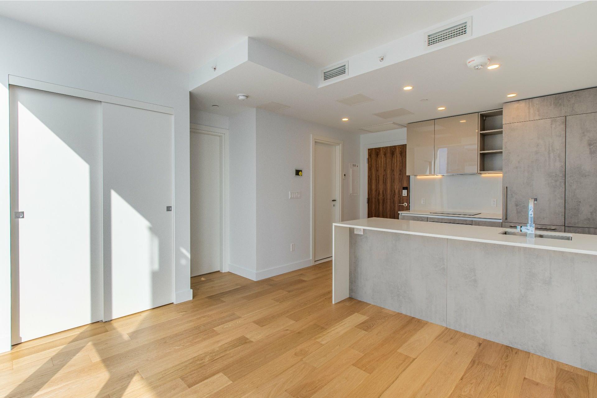 image 3 - Appartement À vendre Ville-Marie Montréal  - 3 pièces