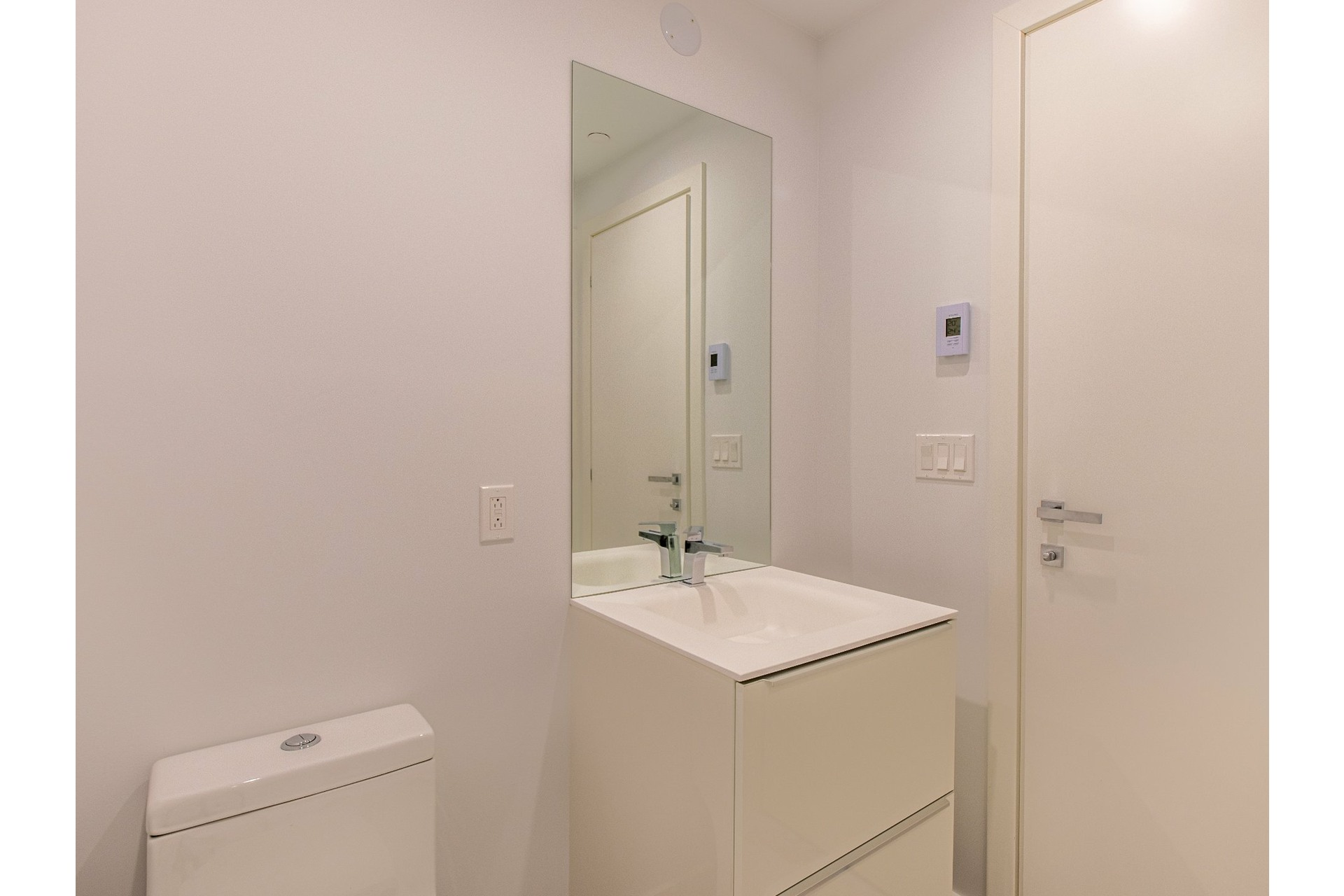 image 6 - Appartement À vendre Ville-Marie Montréal  - 3 pièces
