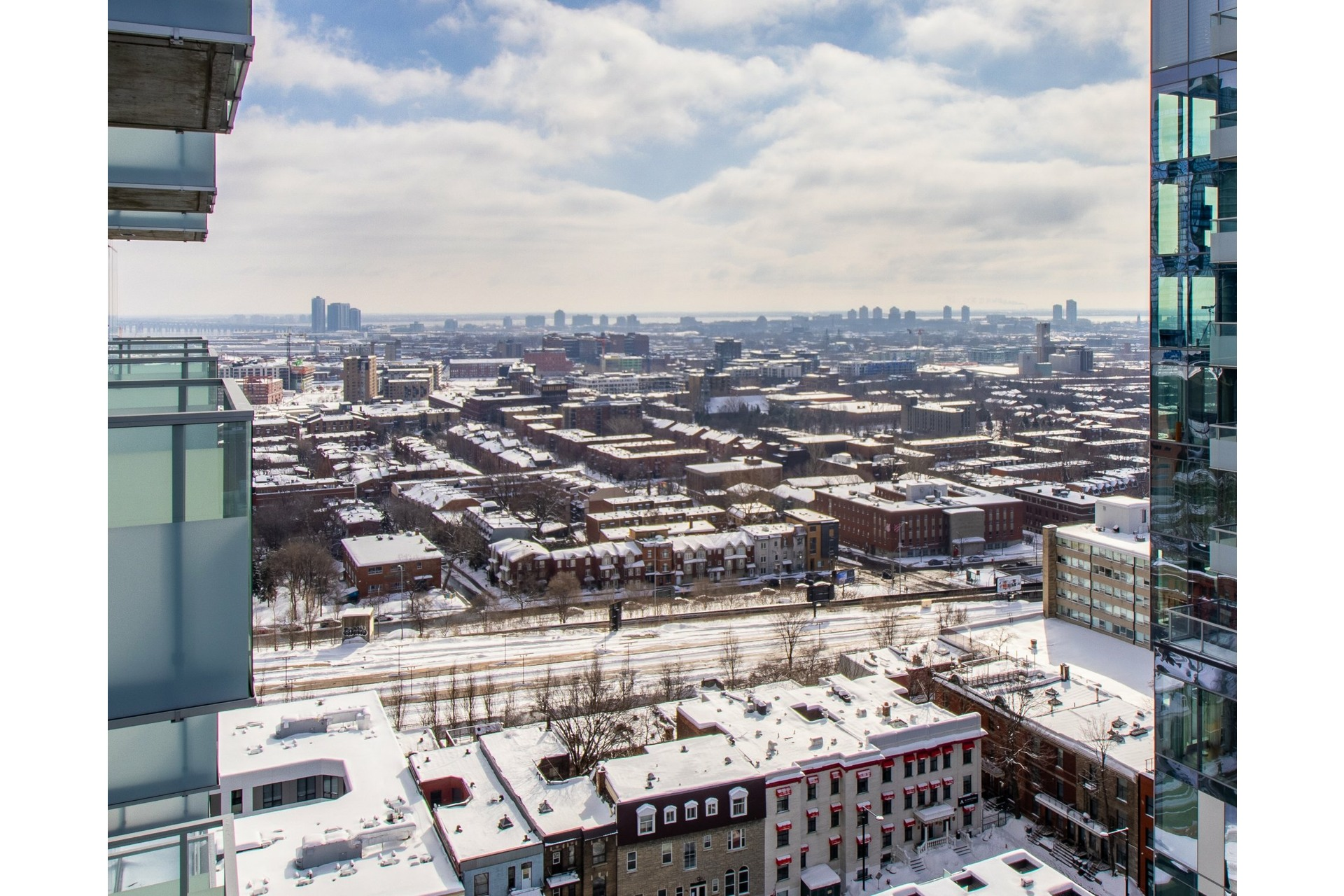 image 9 - Appartement À vendre Ville-Marie Montréal  - 3 pièces