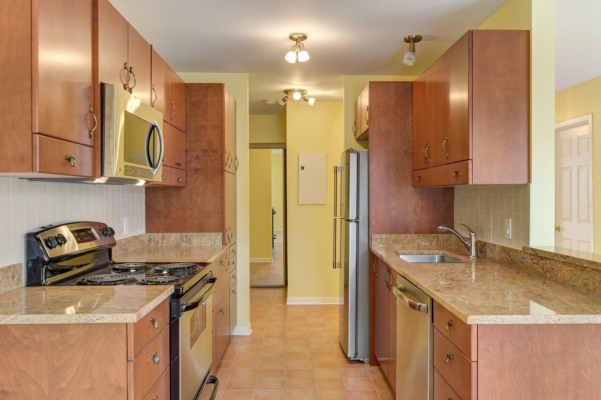 image 0 - Appartement À louer Le Sud-Ouest Montréal  - 7 pièces