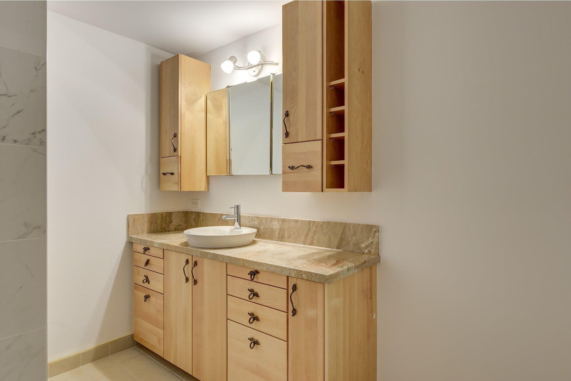 image 8 - Appartement À louer Le Sud-Ouest Montréal  - 7 pièces