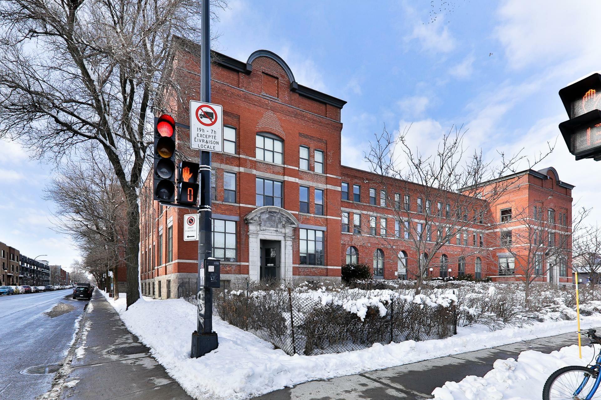 image 2 - Appartement À vendre Mercier/Hochelaga-Maisonneuve Montréal  - 7 pièces