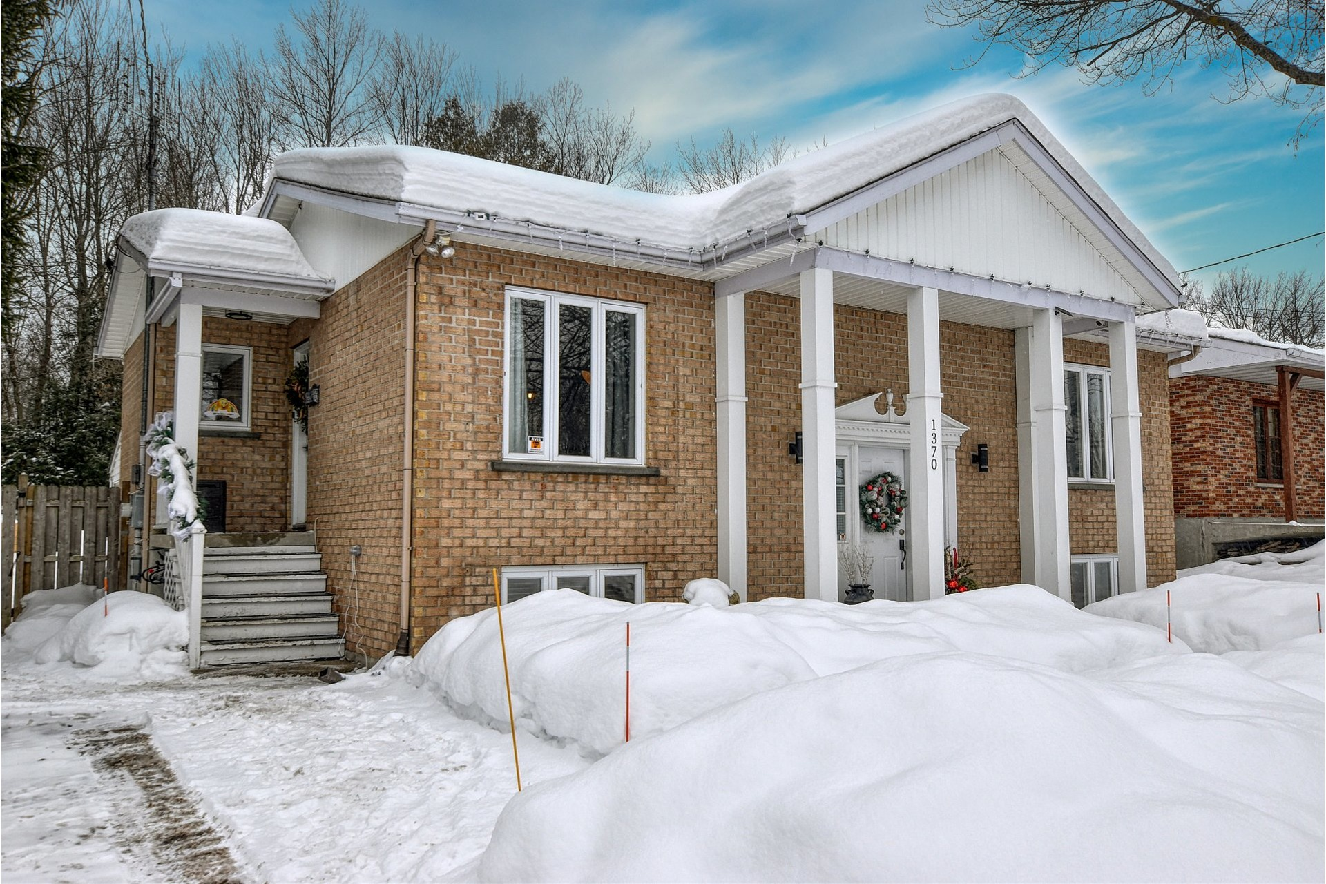 image 2 - House For sale Mascouche - 14 rooms