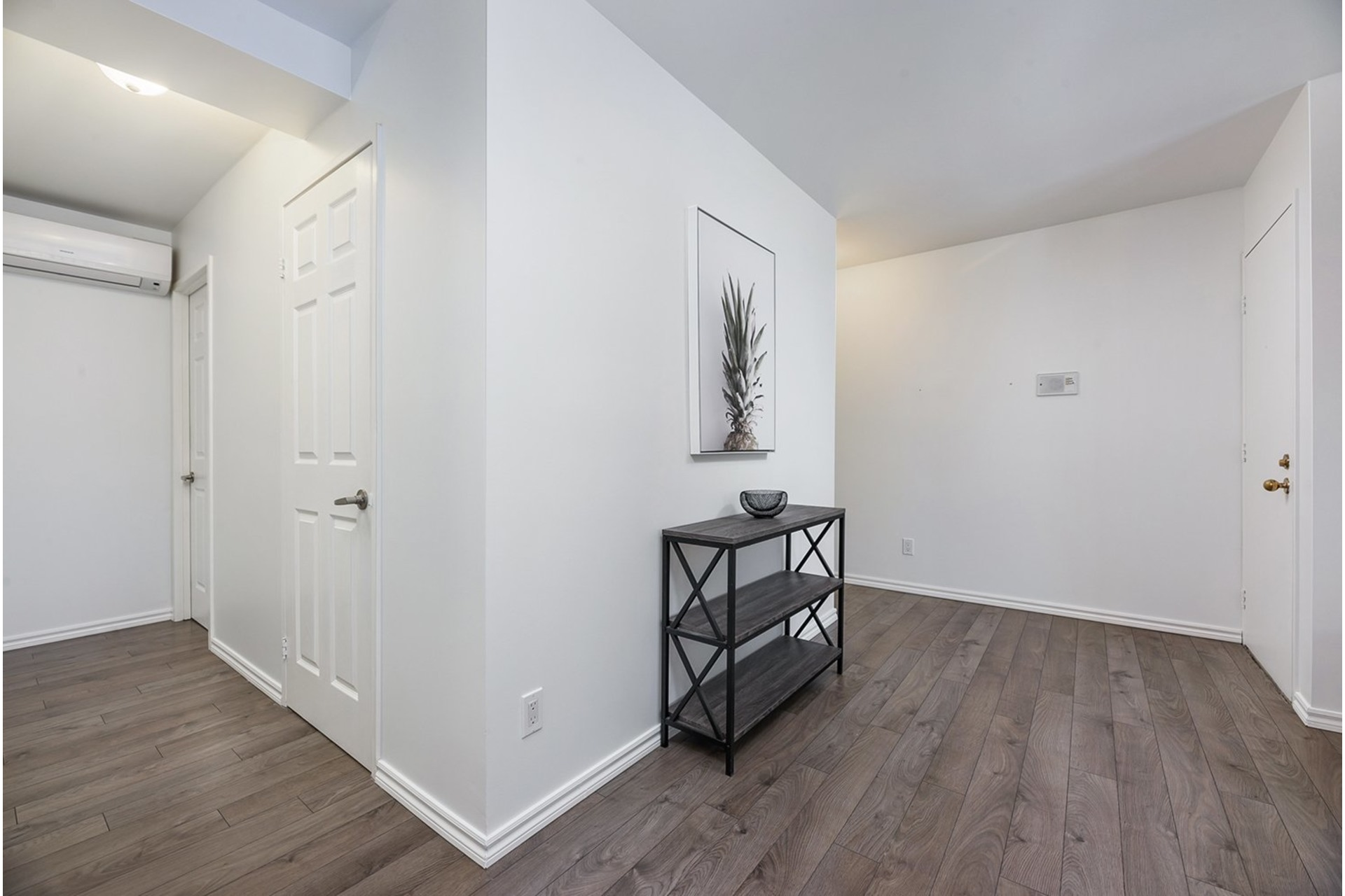 image 2 - Apartment For sale Chomedey Laval  - 6 rooms