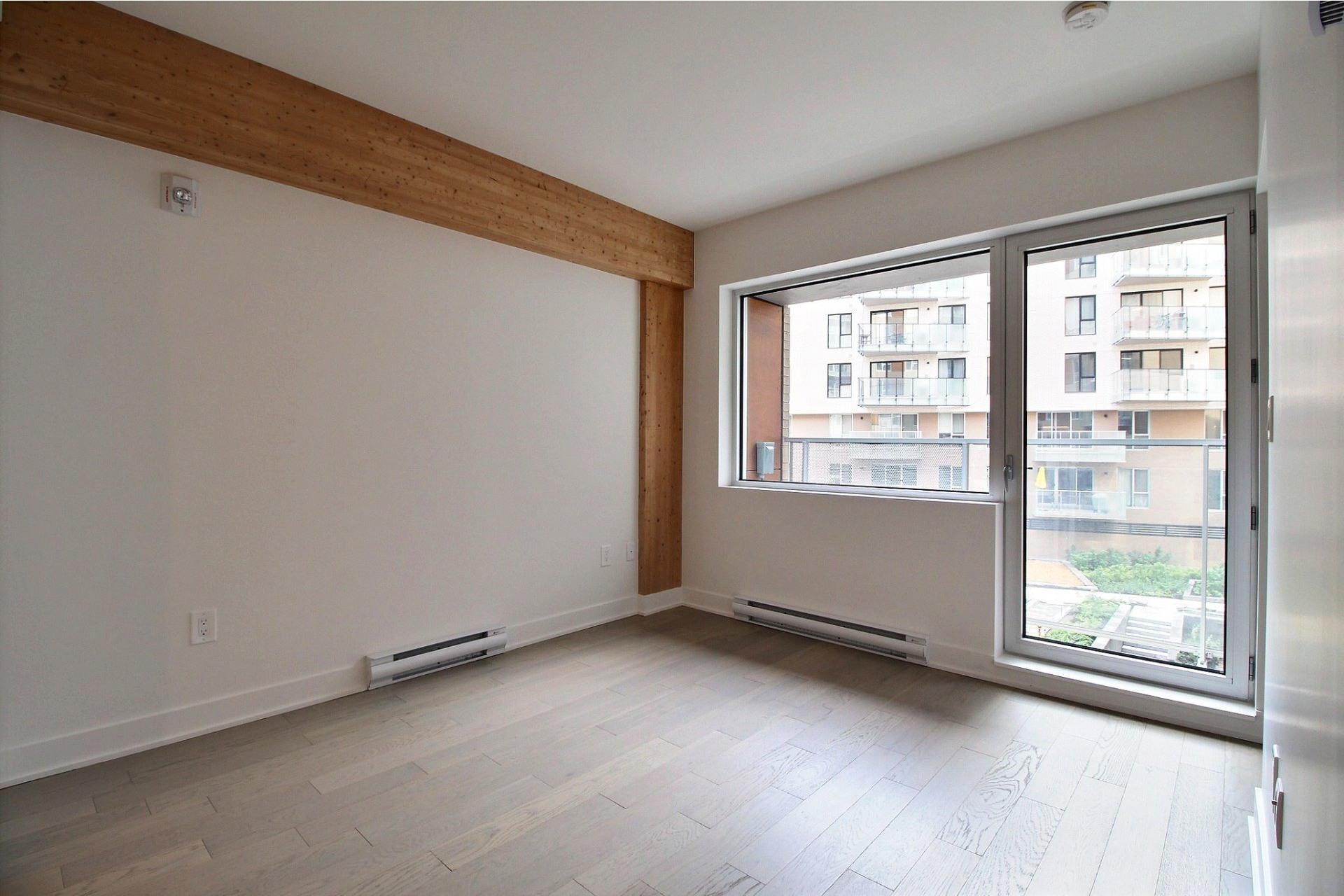 image 4 - Appartement À louer Le Sud-Ouest Montréal  - 4 pièces
