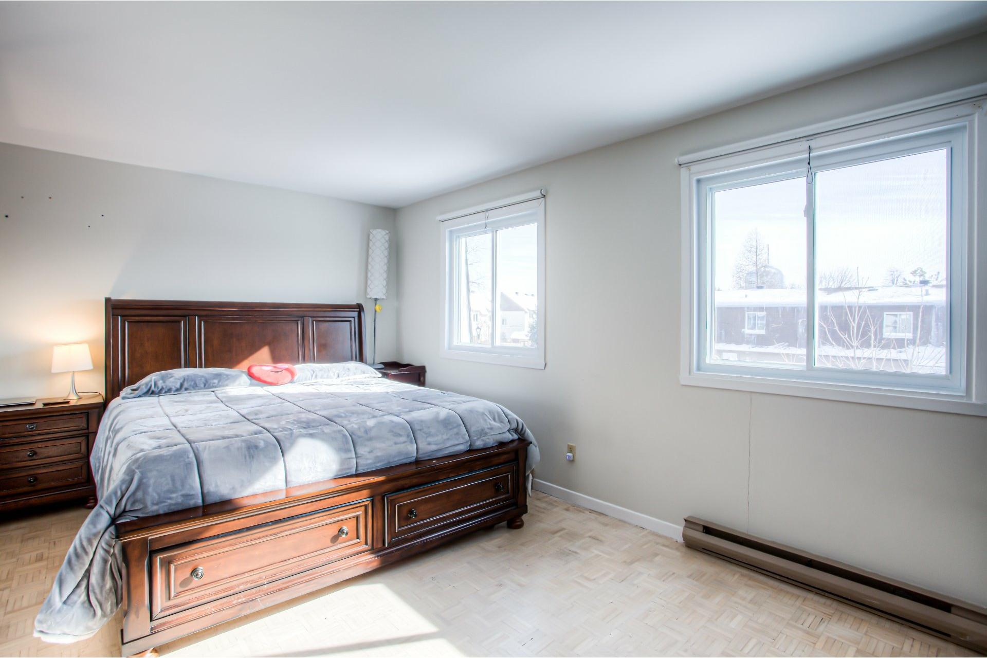 image 14 - House For rent Pierrefonds-Roxboro Montréal  - 9 rooms