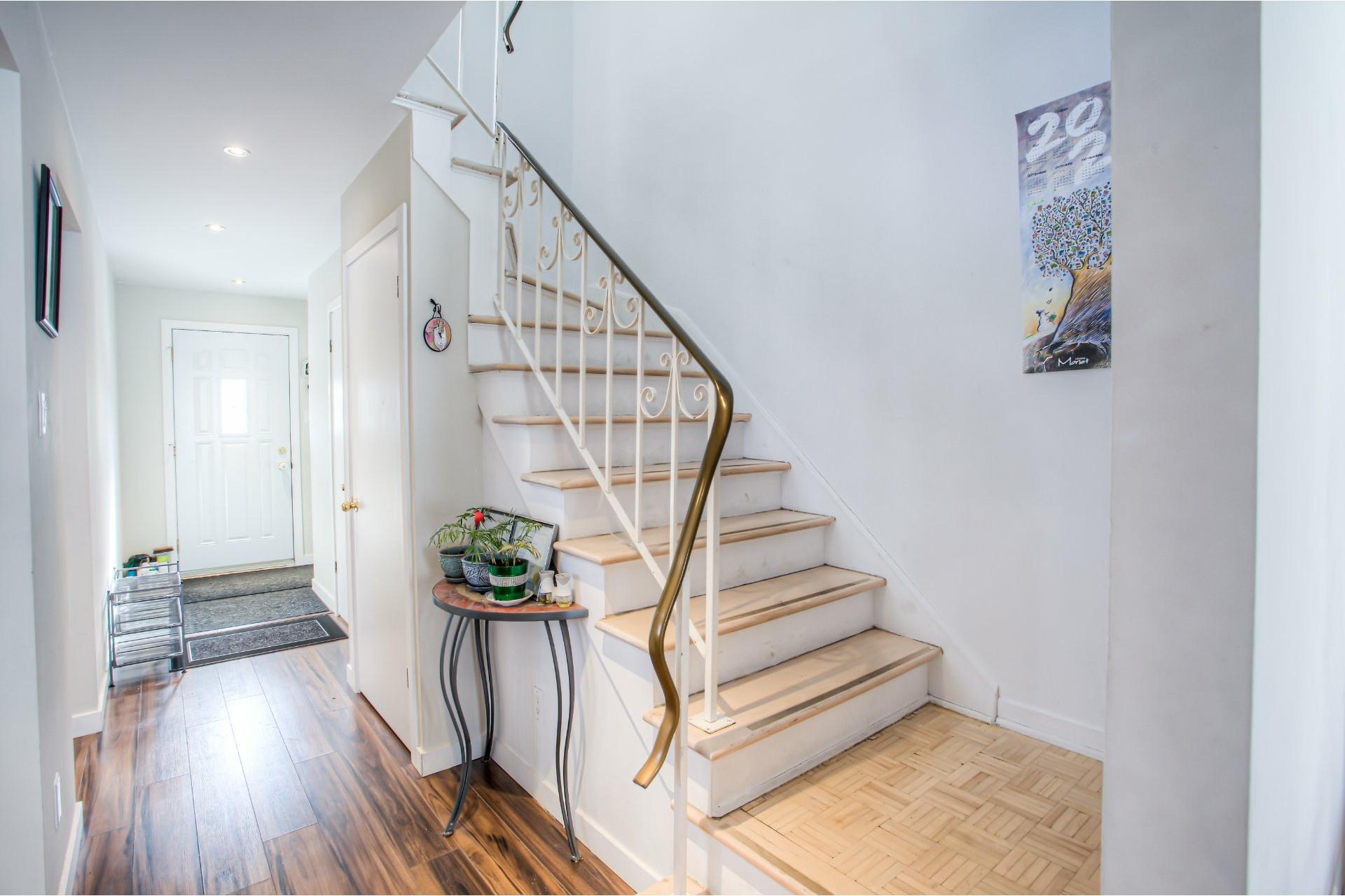 image 3 - House For rent Pierrefonds-Roxboro Montréal  - 9 rooms