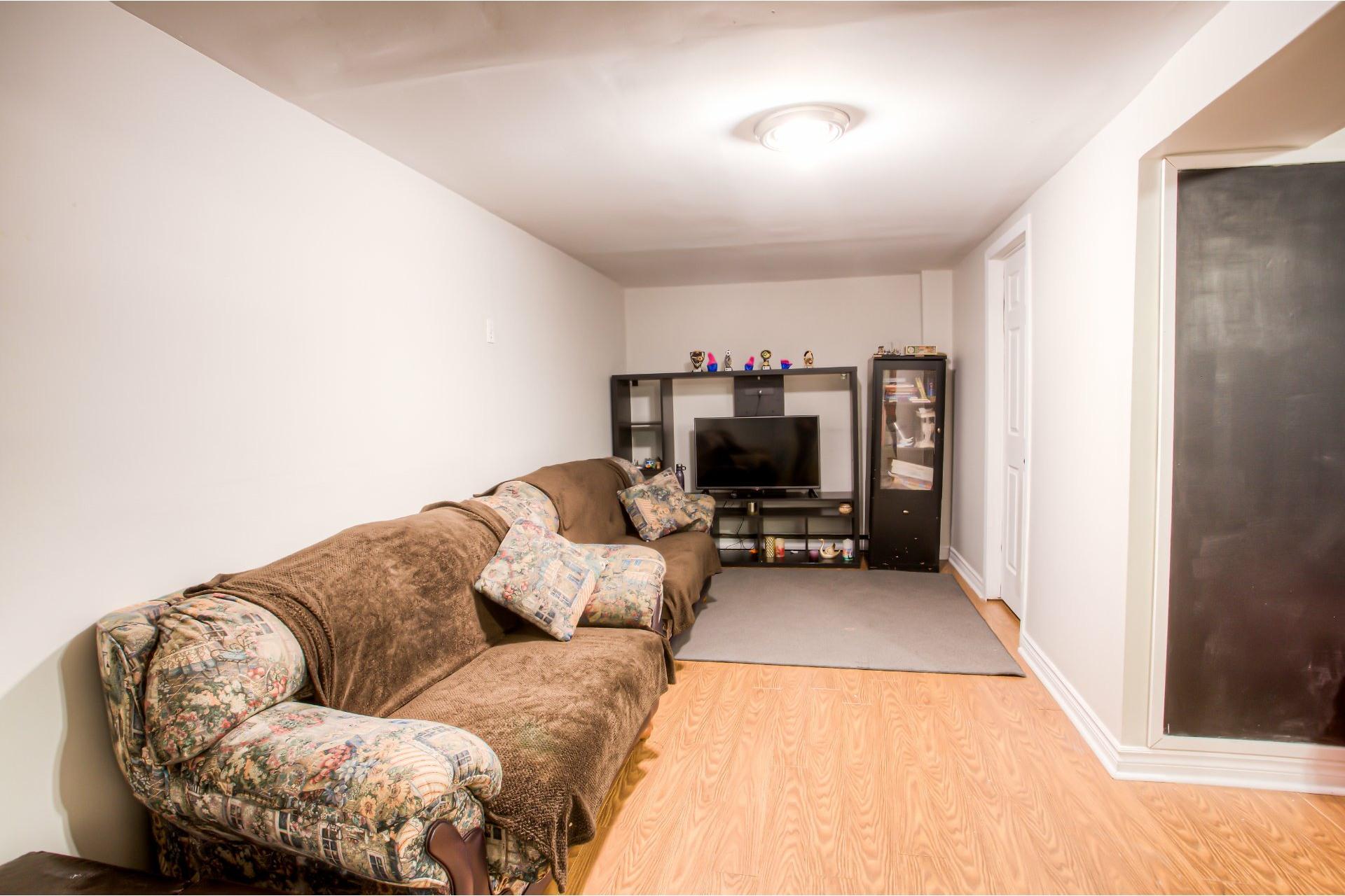 image 21 - House For rent Pierrefonds-Roxboro Montréal  - 9 rooms