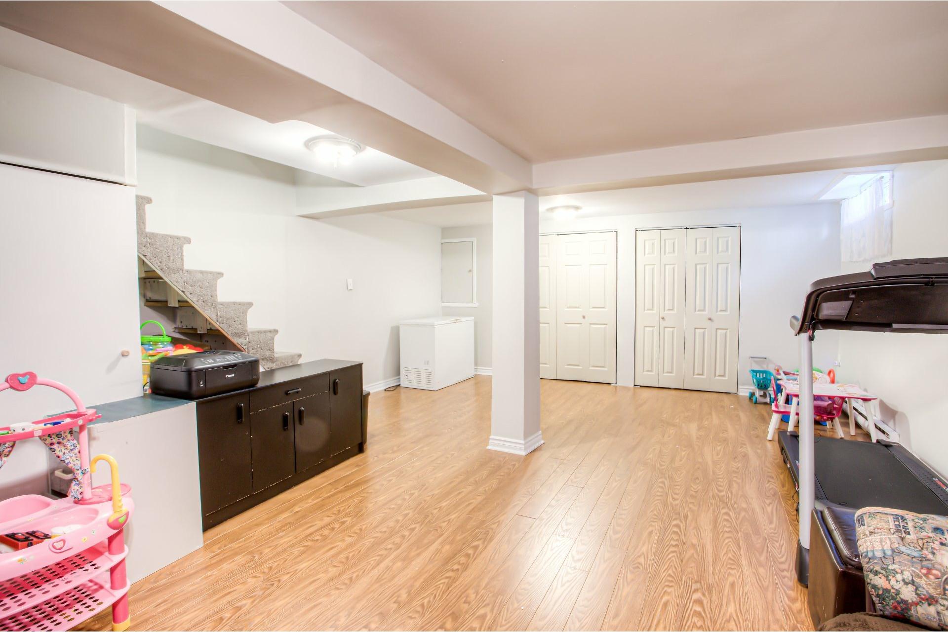 image 22 - House For rent Pierrefonds-Roxboro Montréal  - 9 rooms