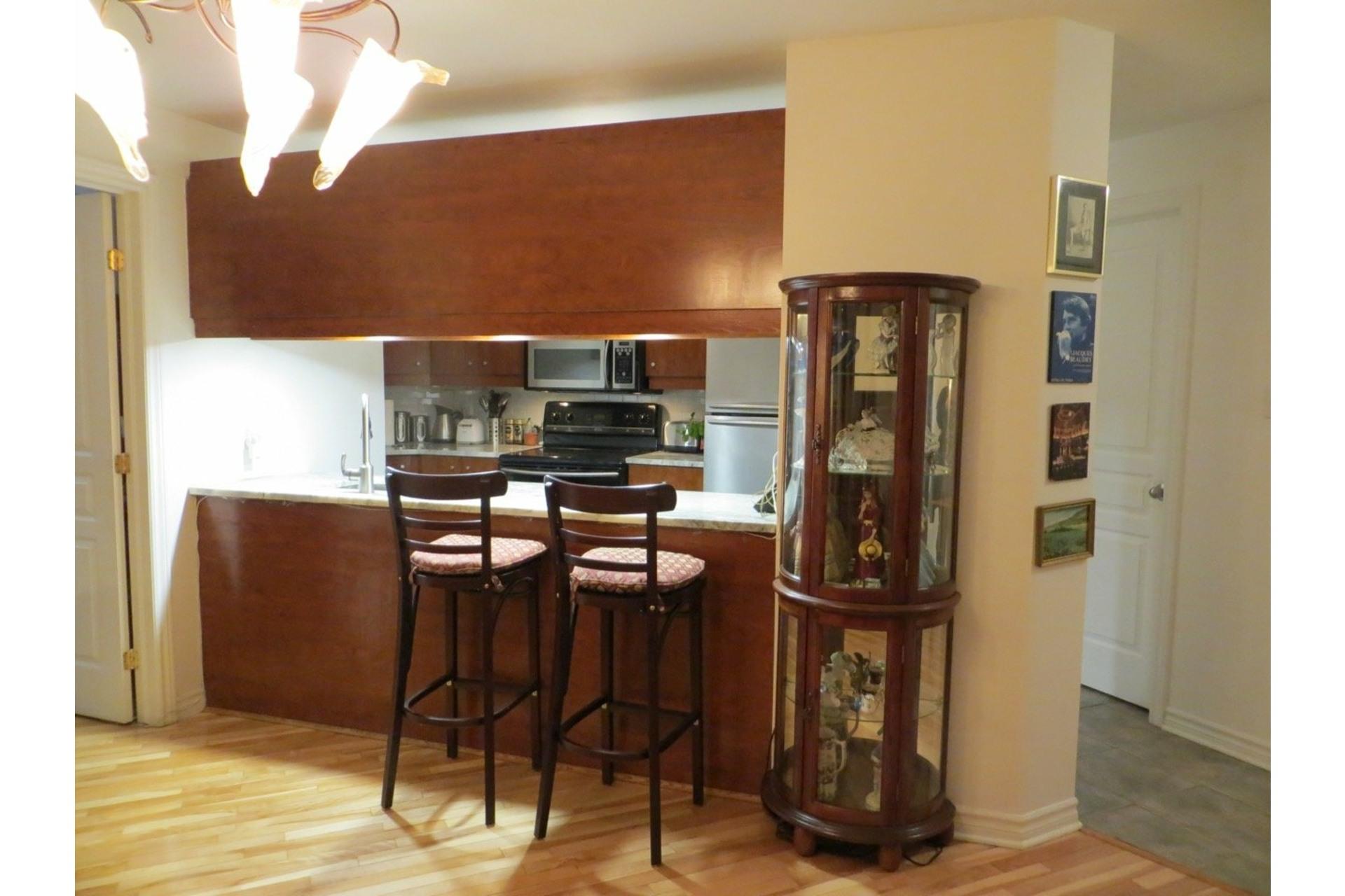 image 29 - Appartement À vendre Côte-des-Neiges/Notre-Dame-de-Grâce Montréal  - 6 pièces