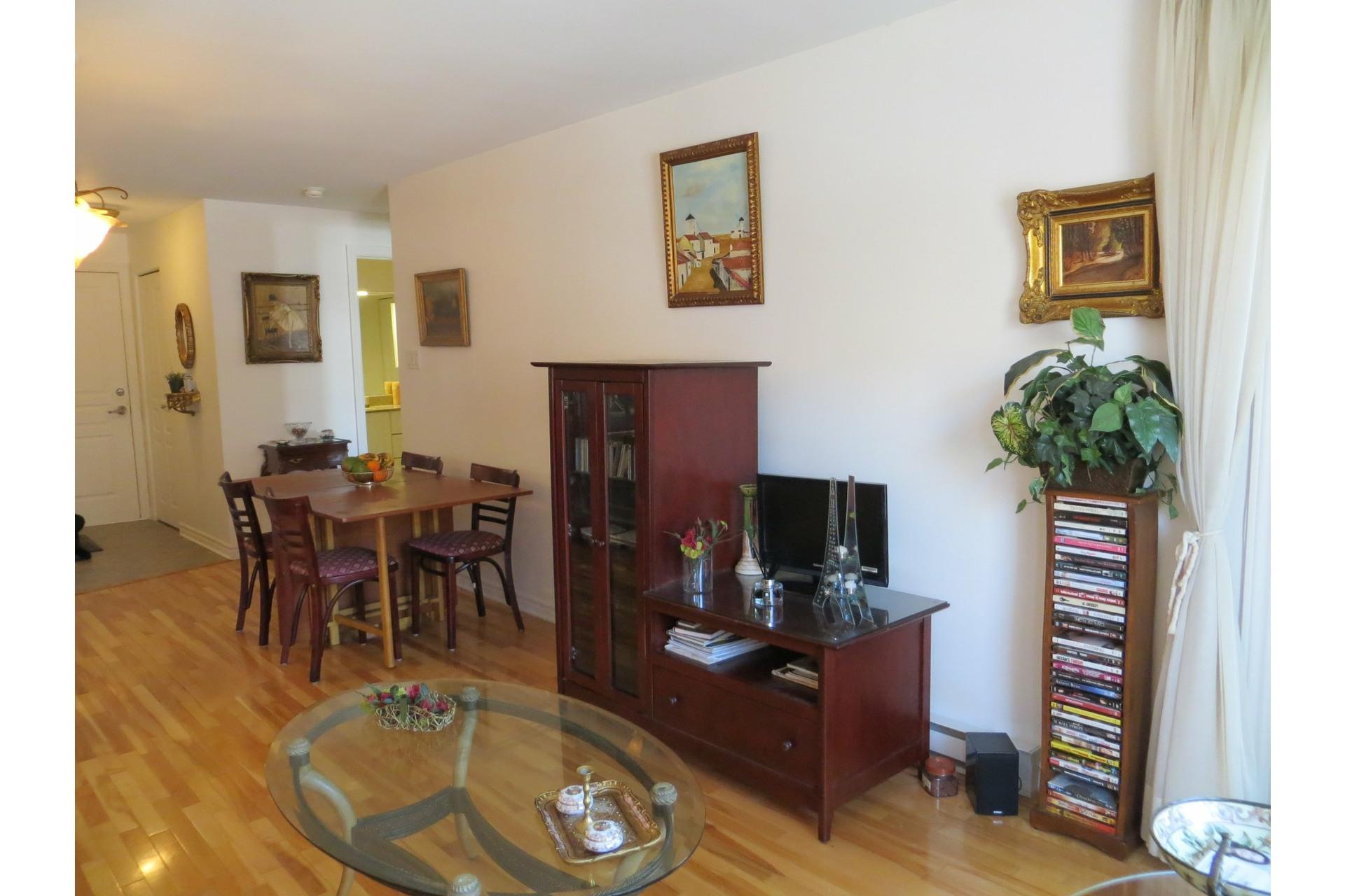 image 9 - Appartement À vendre Côte-des-Neiges/Notre-Dame-de-Grâce Montréal  - 6 pièces