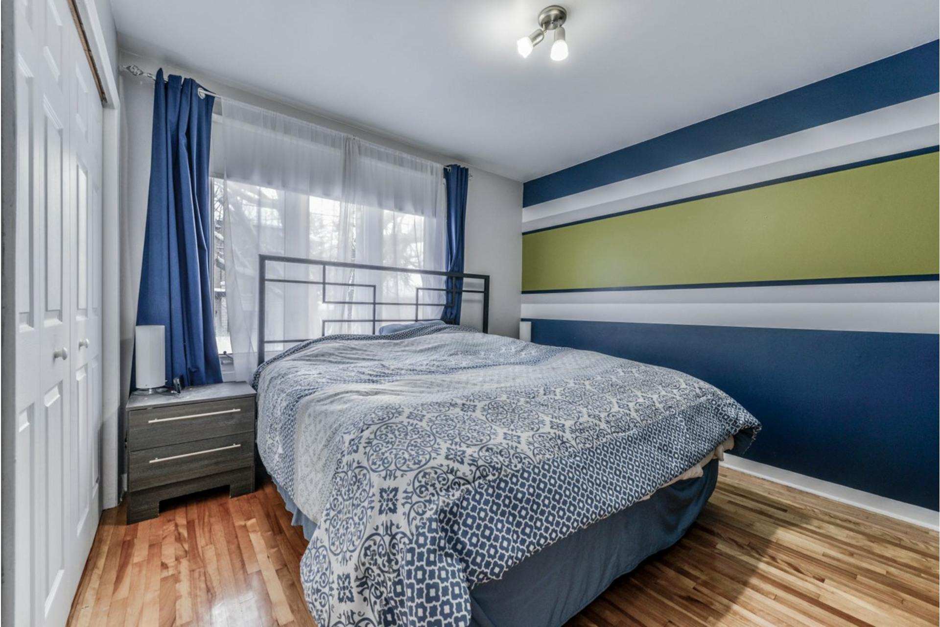 image 19 - Triplex For sale Sainte-Catherine - 5 rooms
