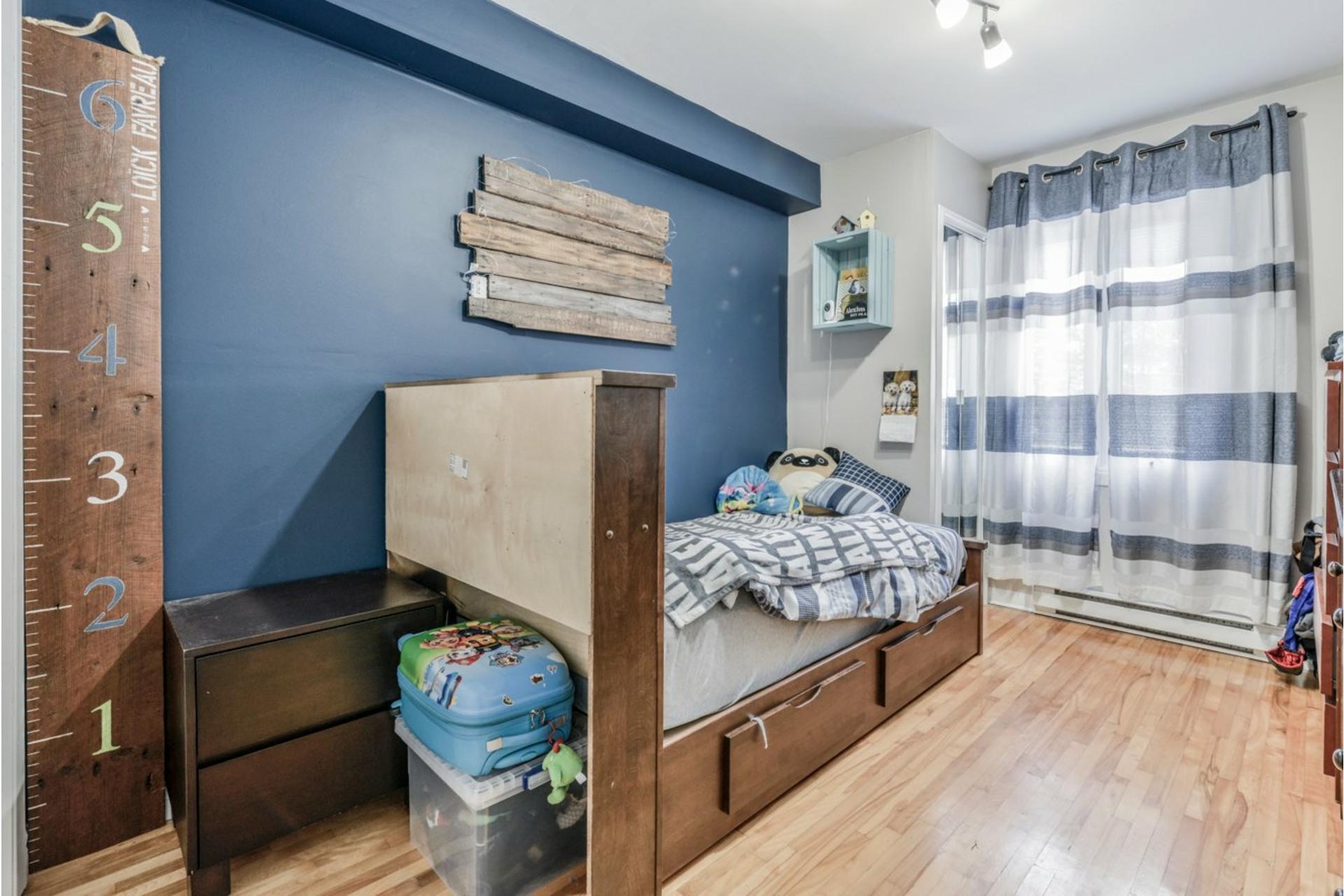 image 20 - Triplex For sale Sainte-Catherine - 5 rooms