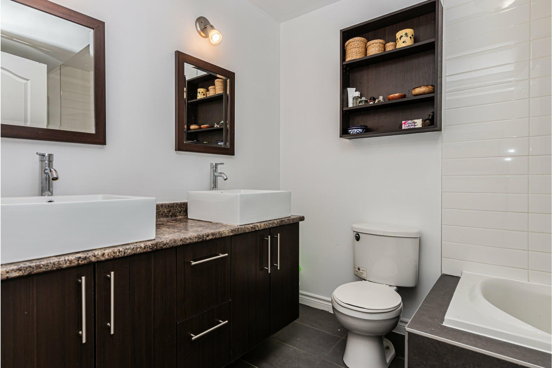 image 19 - Appartement À vendre Le Sud-Ouest Montréal  - 8 pièces