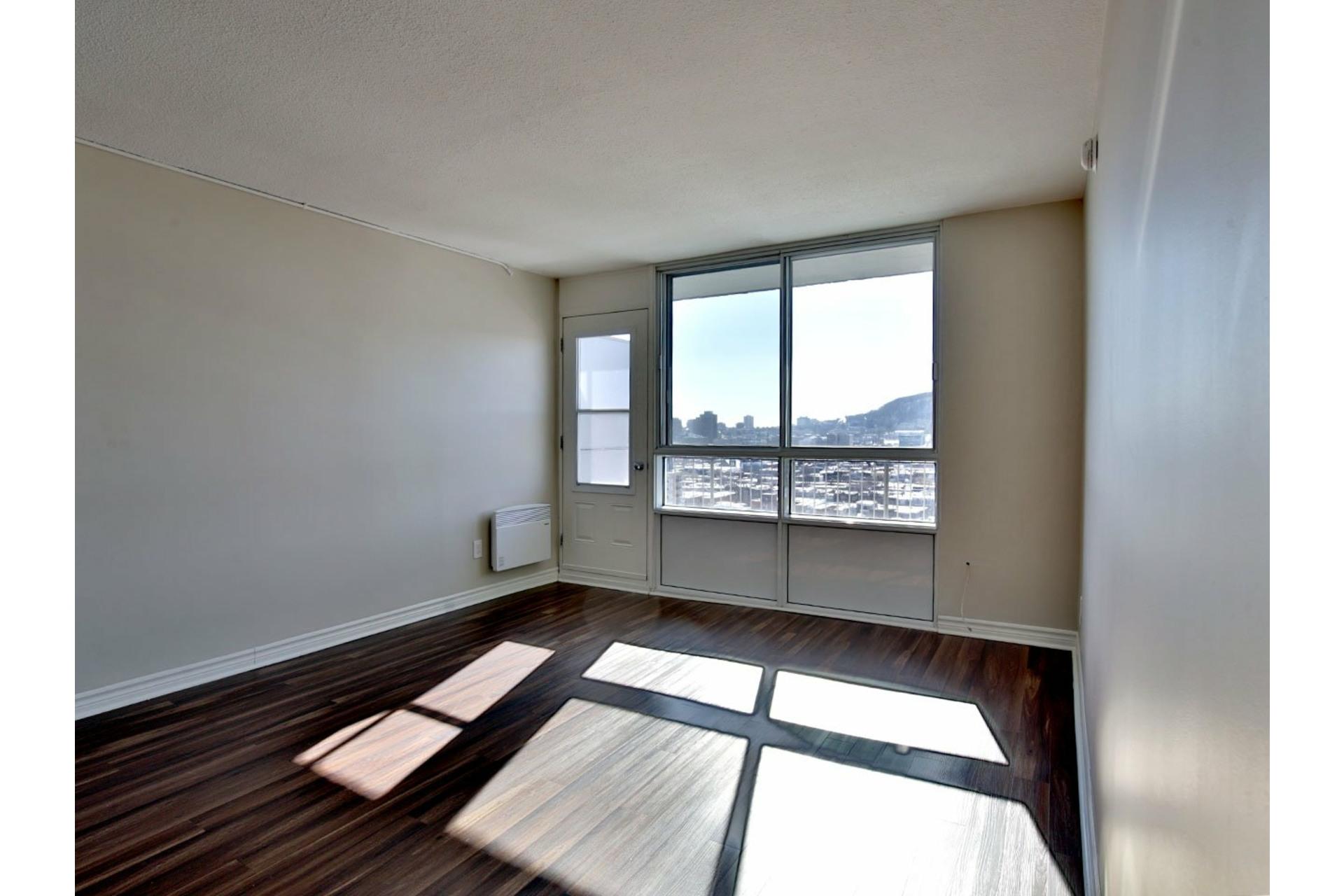 image 8 - Apartment For rent Le Plateau-Mont-Royal Montréal  - 5 rooms