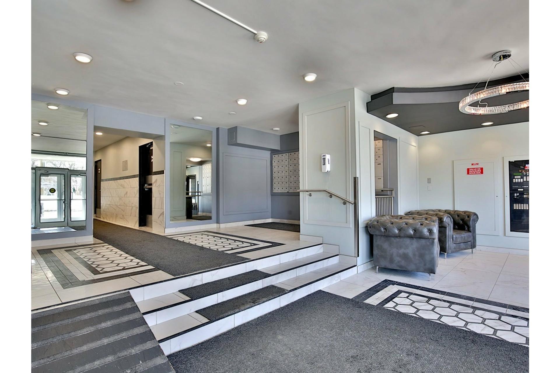 image 4 - Apartment For rent Le Plateau-Mont-Royal Montréal  - 4 rooms