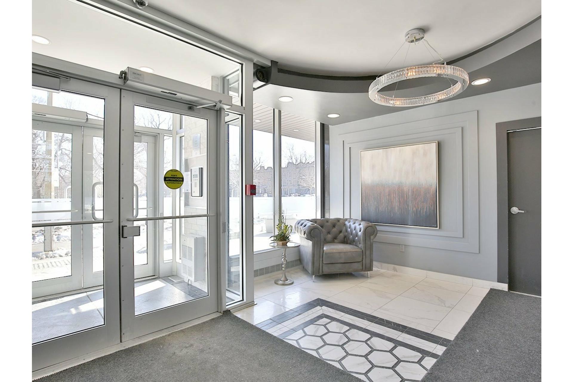 image 3 - Apartment For rent Le Plateau-Mont-Royal Montréal  - 4 rooms