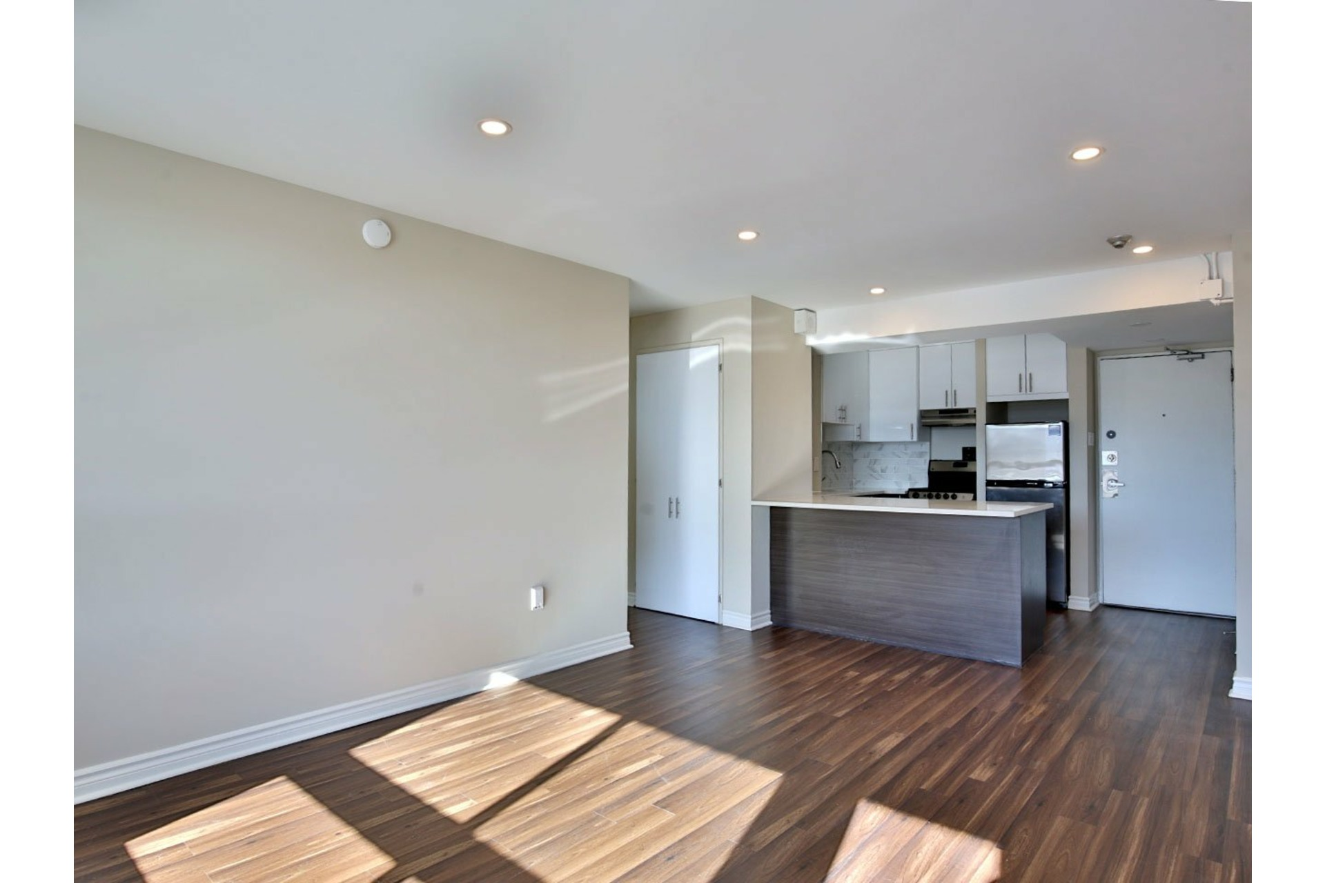 image 7 - Apartment For rent Le Plateau-Mont-Royal Montréal  - 4 rooms