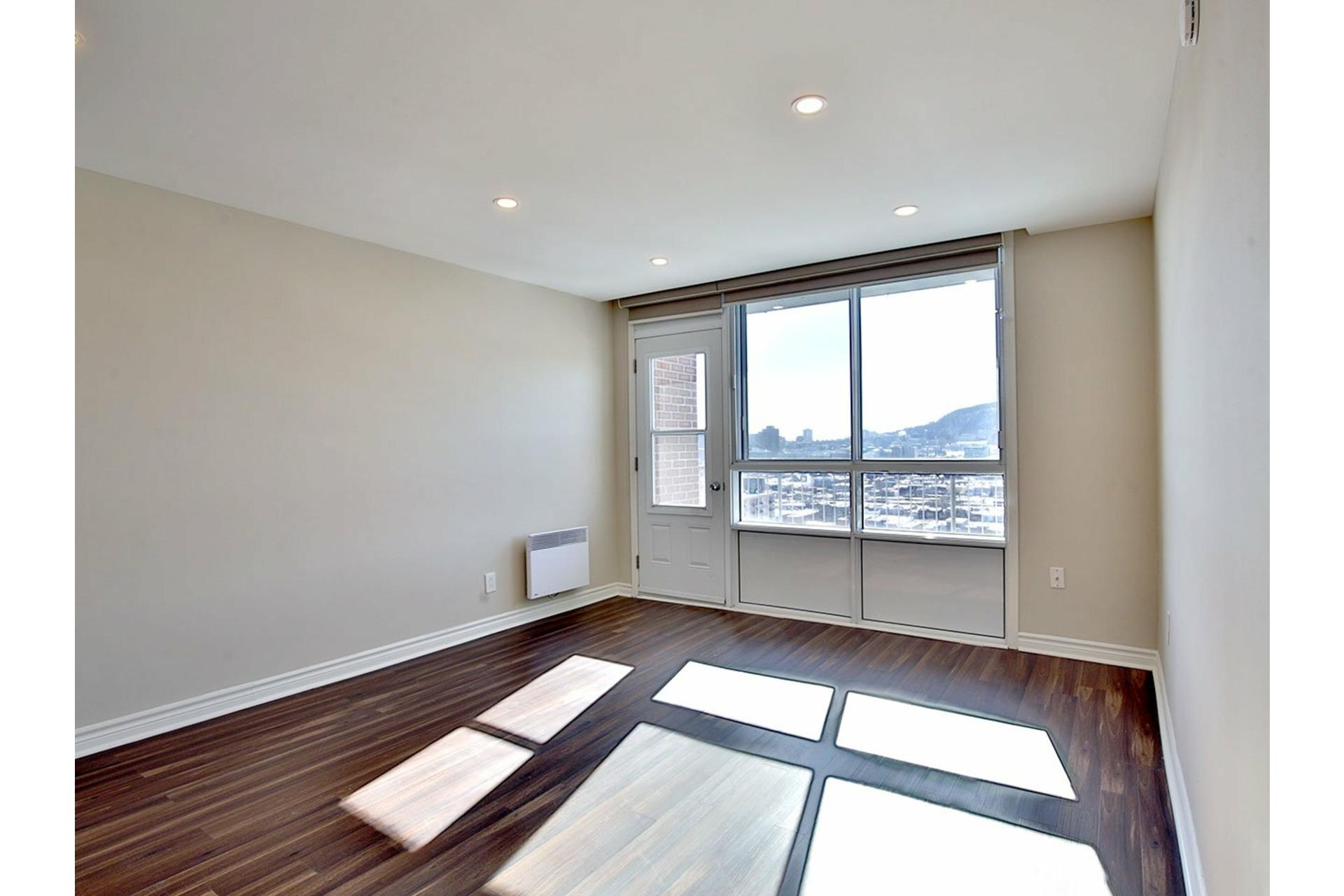 image 11 - Apartment For rent Le Plateau-Mont-Royal Montréal  - 4 rooms